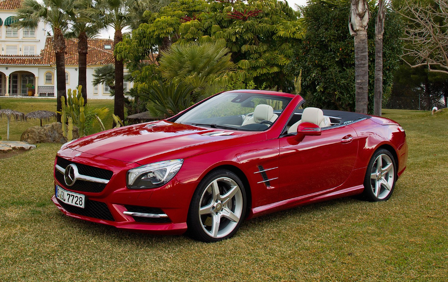 mercedes benz sl class convertible review 2012 parkers. Black Bedroom Furniture Sets. Home Design Ideas