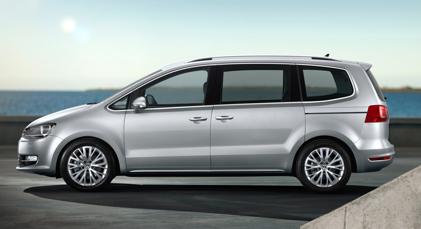 volkswagen sharan estate review 2010 parkers. Black Bedroom Furniture Sets. Home Design Ideas