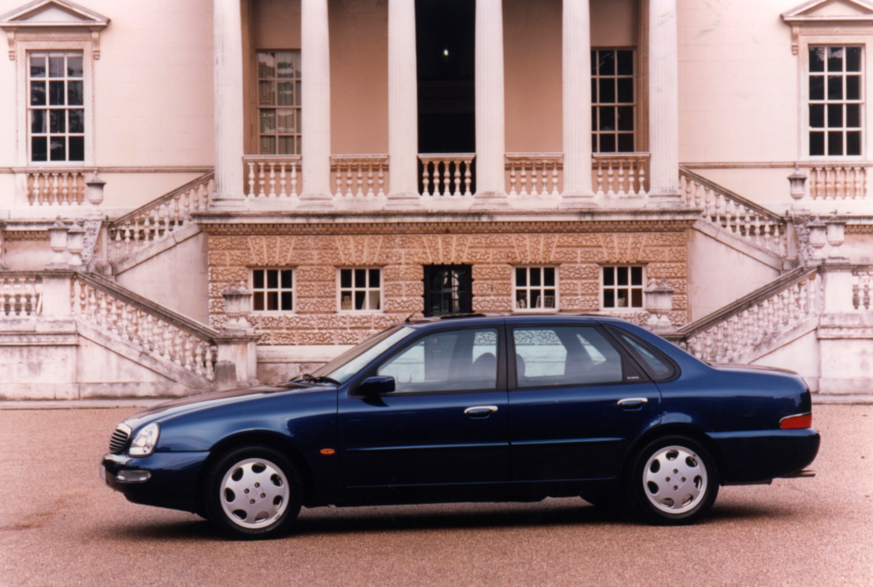Ford Scorpio Saloon Review 1995 1999 Parkers