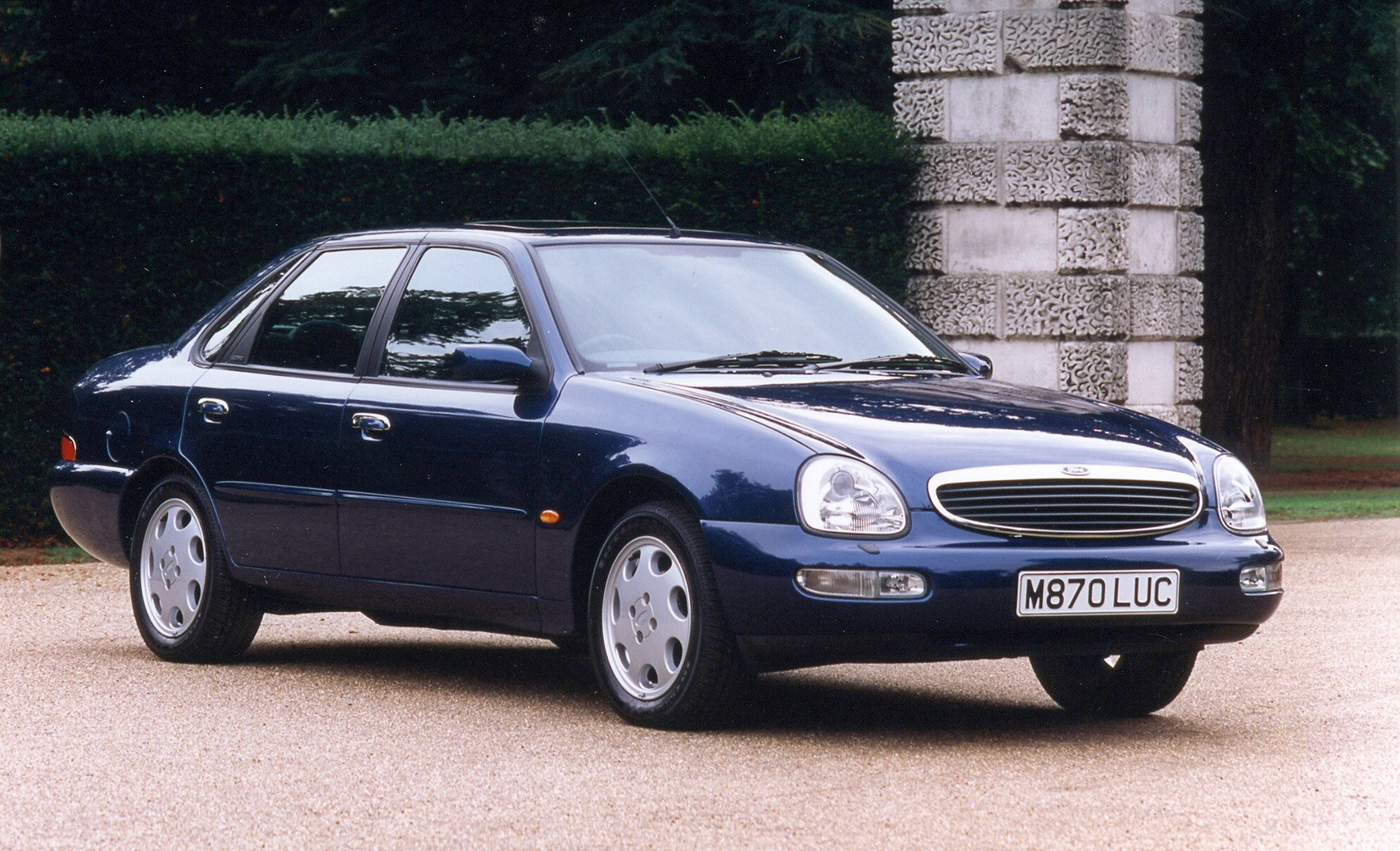 ford scorpio saloon review 1995 1999 parkers. Black Bedroom Furniture Sets. Home Design Ideas