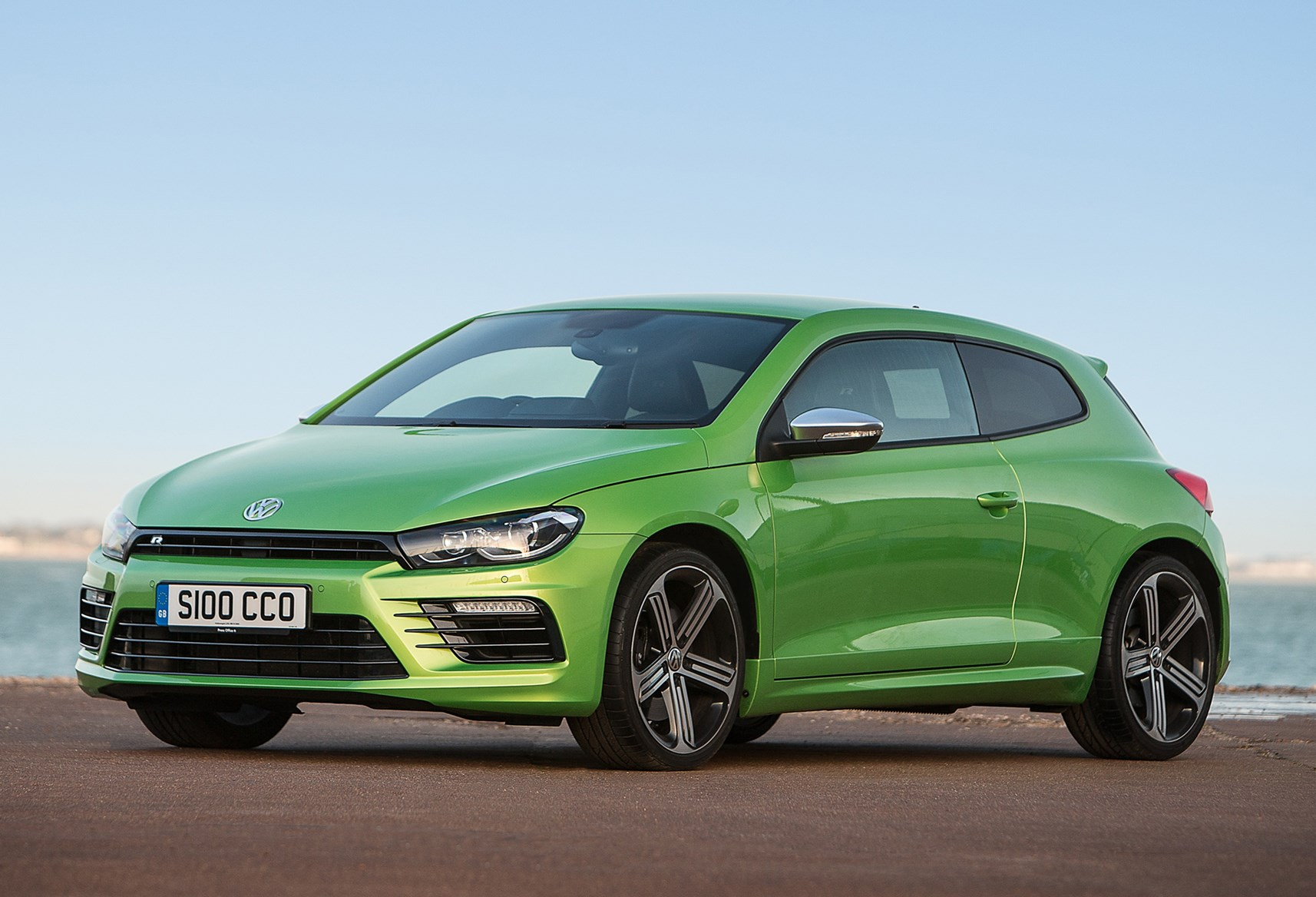 volkswagen scirocco r review 2010 parkers. Black Bedroom Furniture Sets. Home Design Ideas