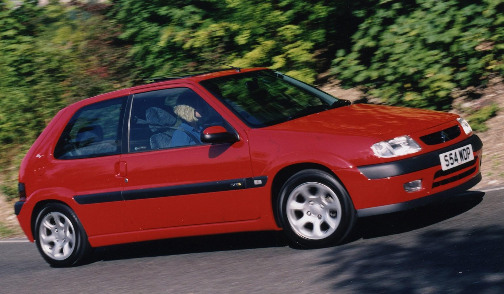 citro n saxo hatchback review 1996 2003 parkers. Black Bedroom Furniture Sets. Home Design Ideas