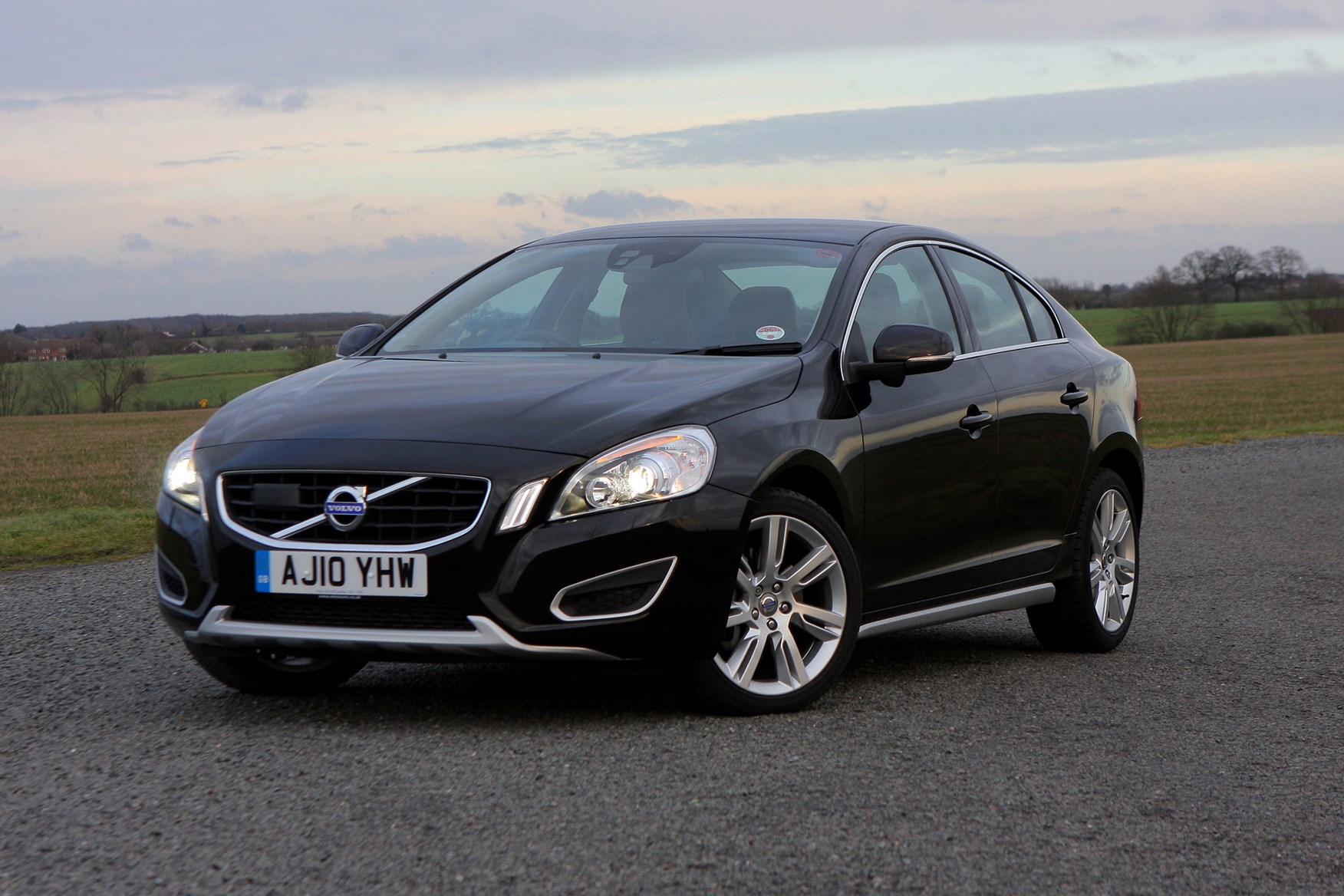 2017 volvo s60 reviews and rating motor trend autos post. Black Bedroom Furniture Sets. Home Design Ideas