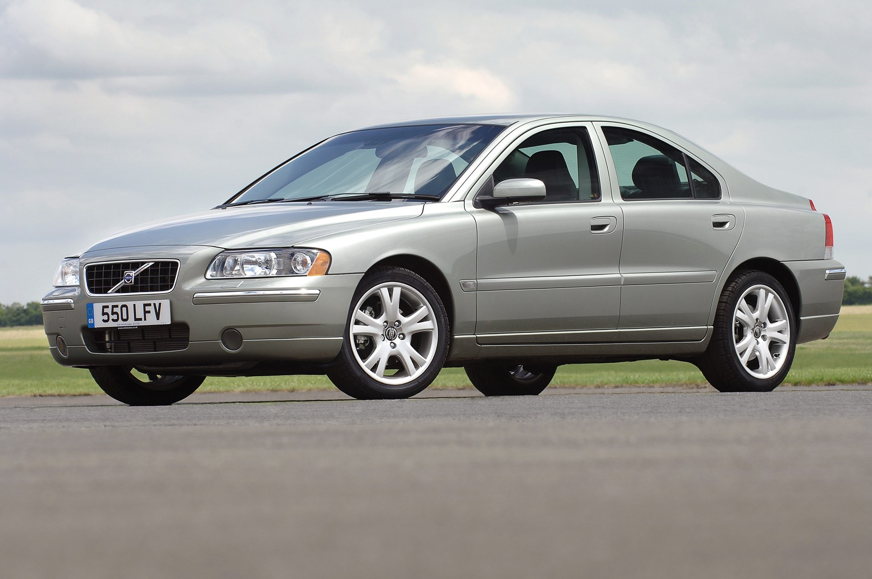 volvo s60 saloon review 2000 2008 parkers. Black Bedroom Furniture Sets. Home Design Ideas