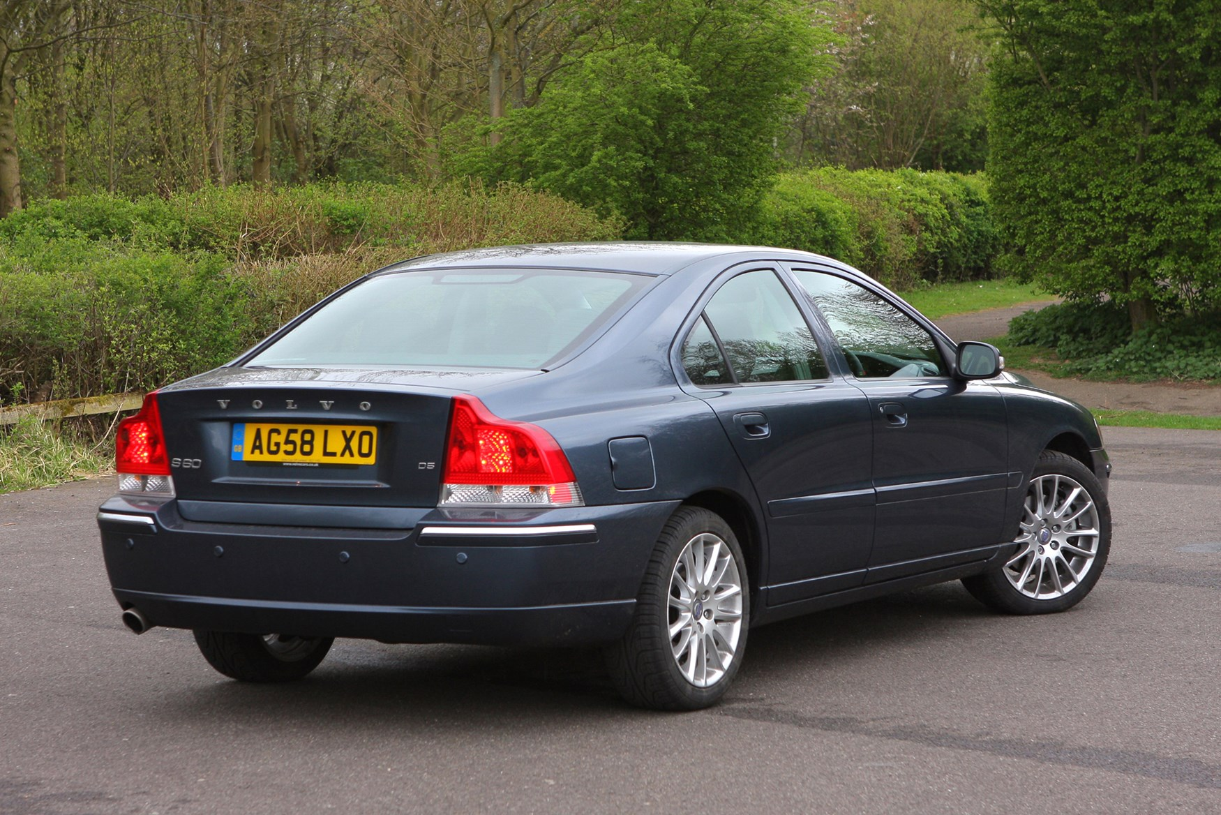 Volvo S60 Saloon Review (2000 - 2008) | Parkers