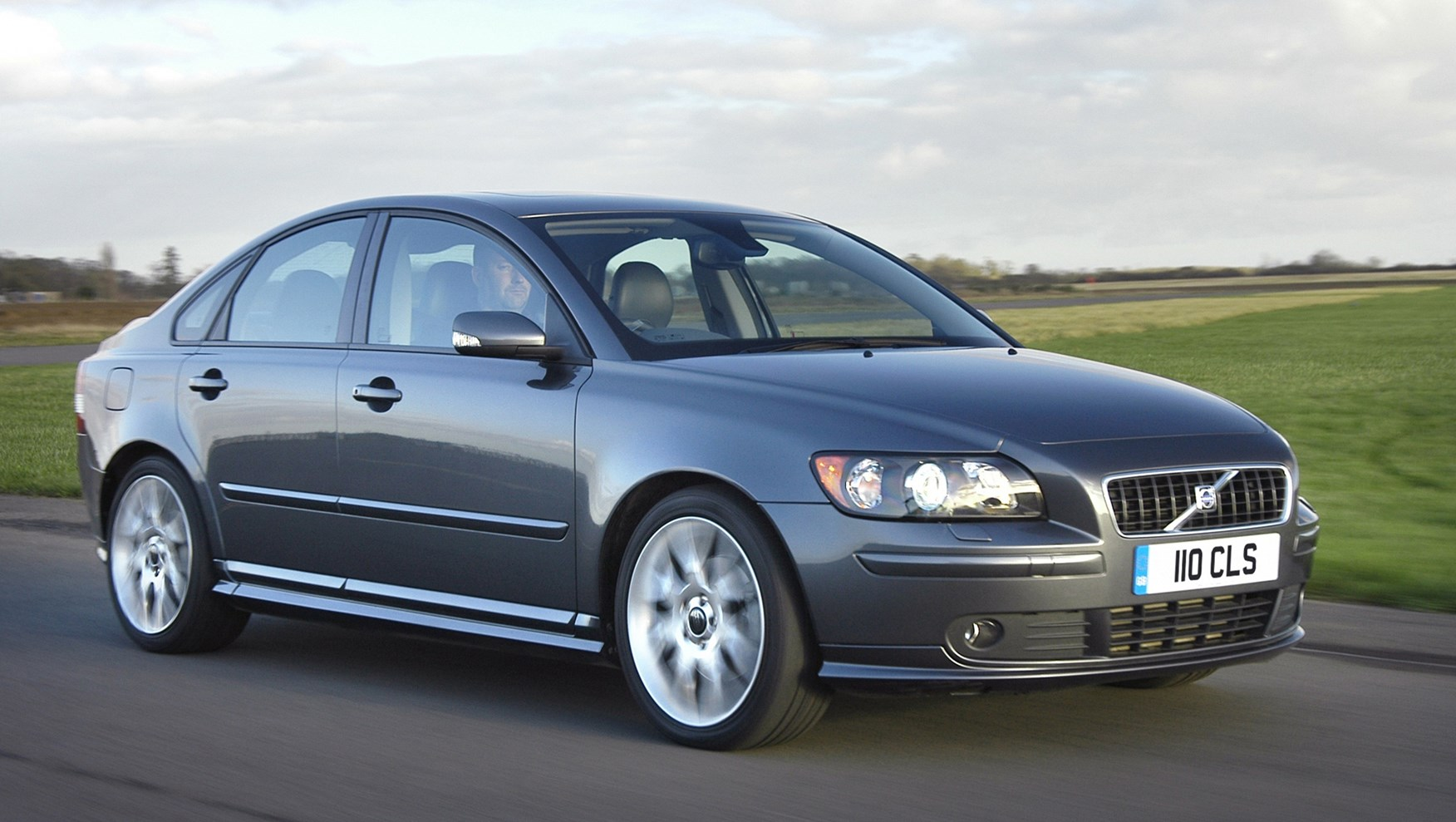 volvo s40 saloon review 2004 2012 parkers