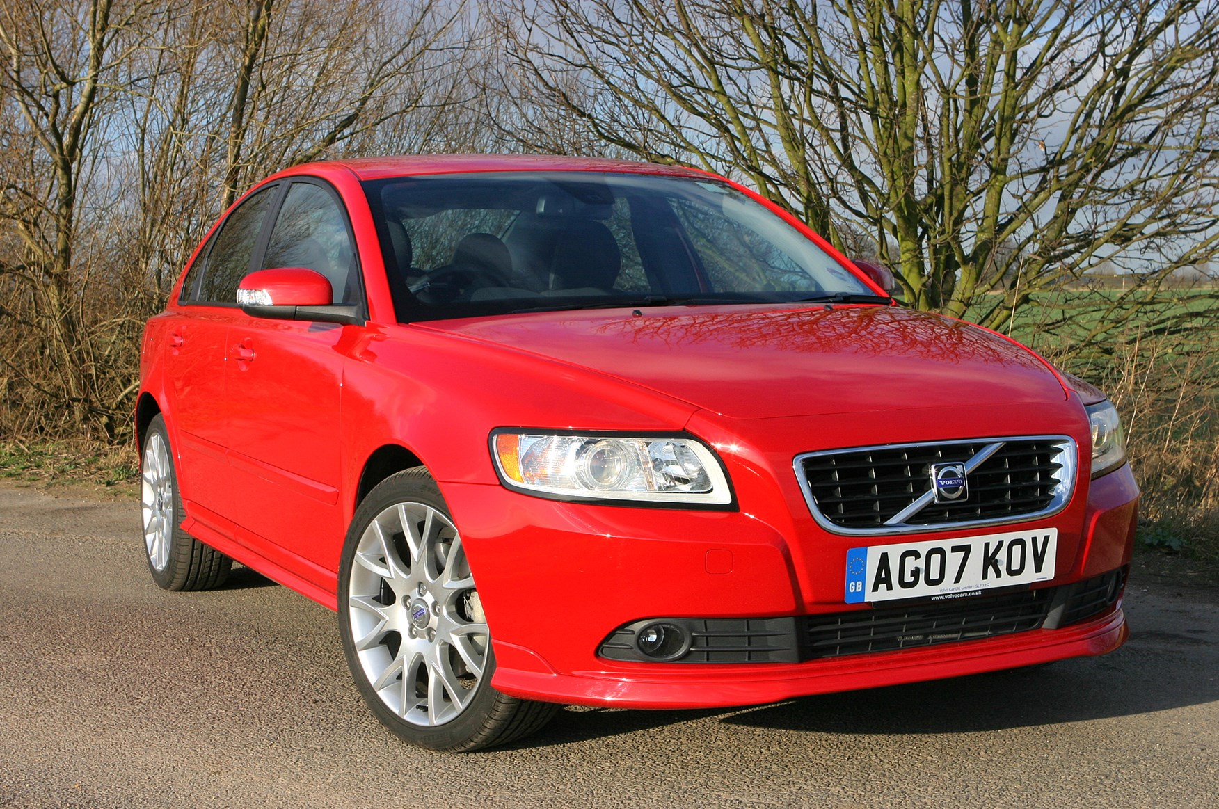 Volvo S40 Saloon 2004 2012 Driving Performance Parkers 240 Cruise Control Wiring Diagram