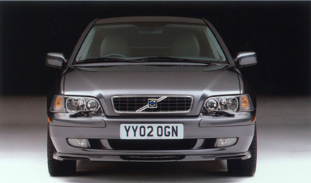 Volvo S40 Saloon Review (1996 - 2004)   Parkers