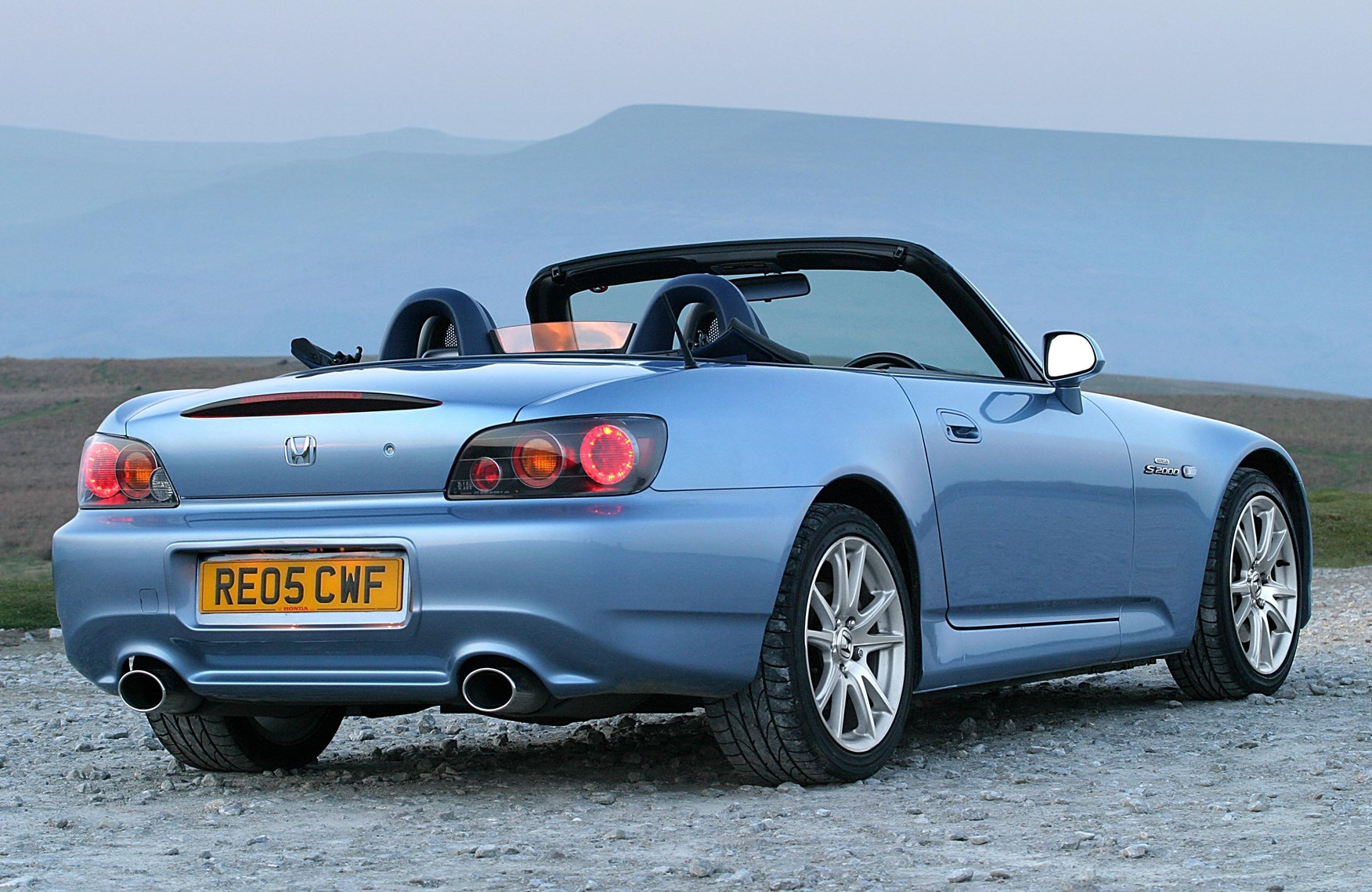 honda s2000 roadster review 1999 2009 parkers. Black Bedroom Furniture Sets. Home Design Ideas