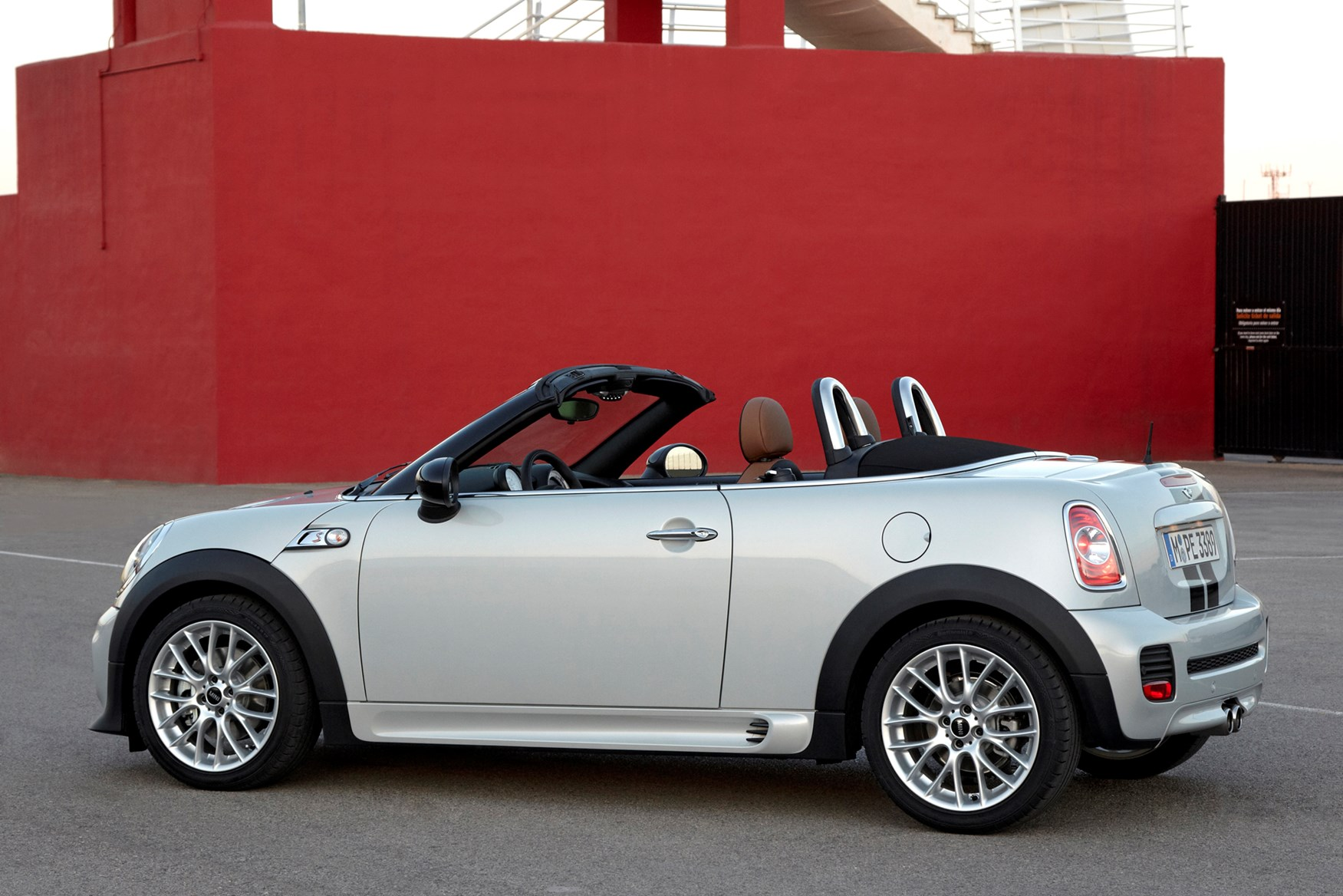 Mini Cooper Convertible Used >> MINI Roadster Convertible (2012 - 2015) Features ...