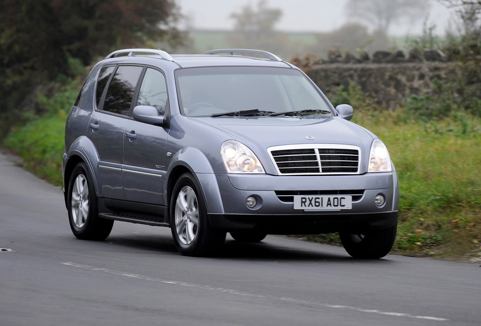 ssangyong rexton estate 2003 2013 features equipment and accessories parkers. Black Bedroom Furniture Sets. Home Design Ideas
