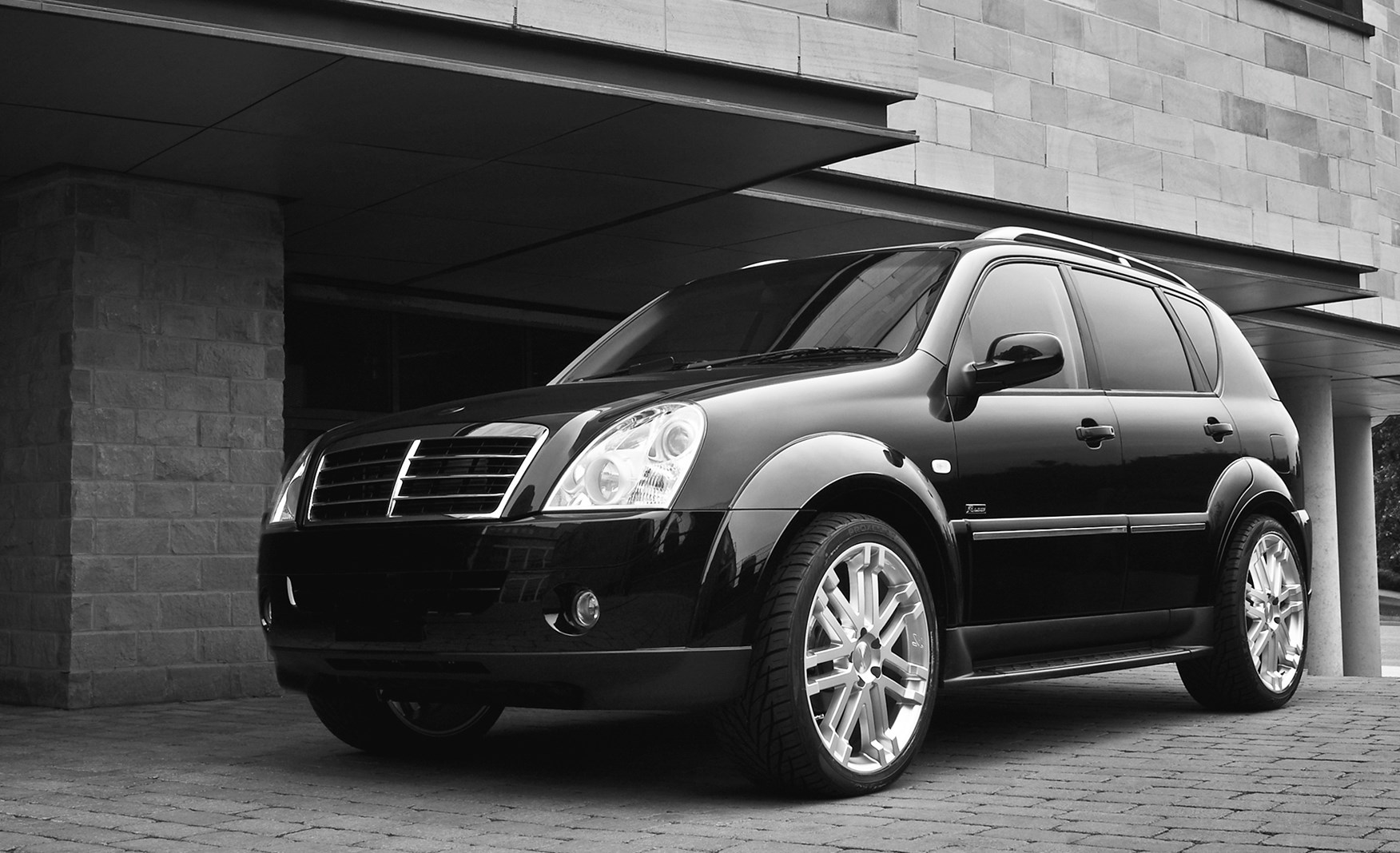 Performance Cars For Sale >> SsangYong Rexton Estate (2003 - 2013) Driving & Performance | Parkers