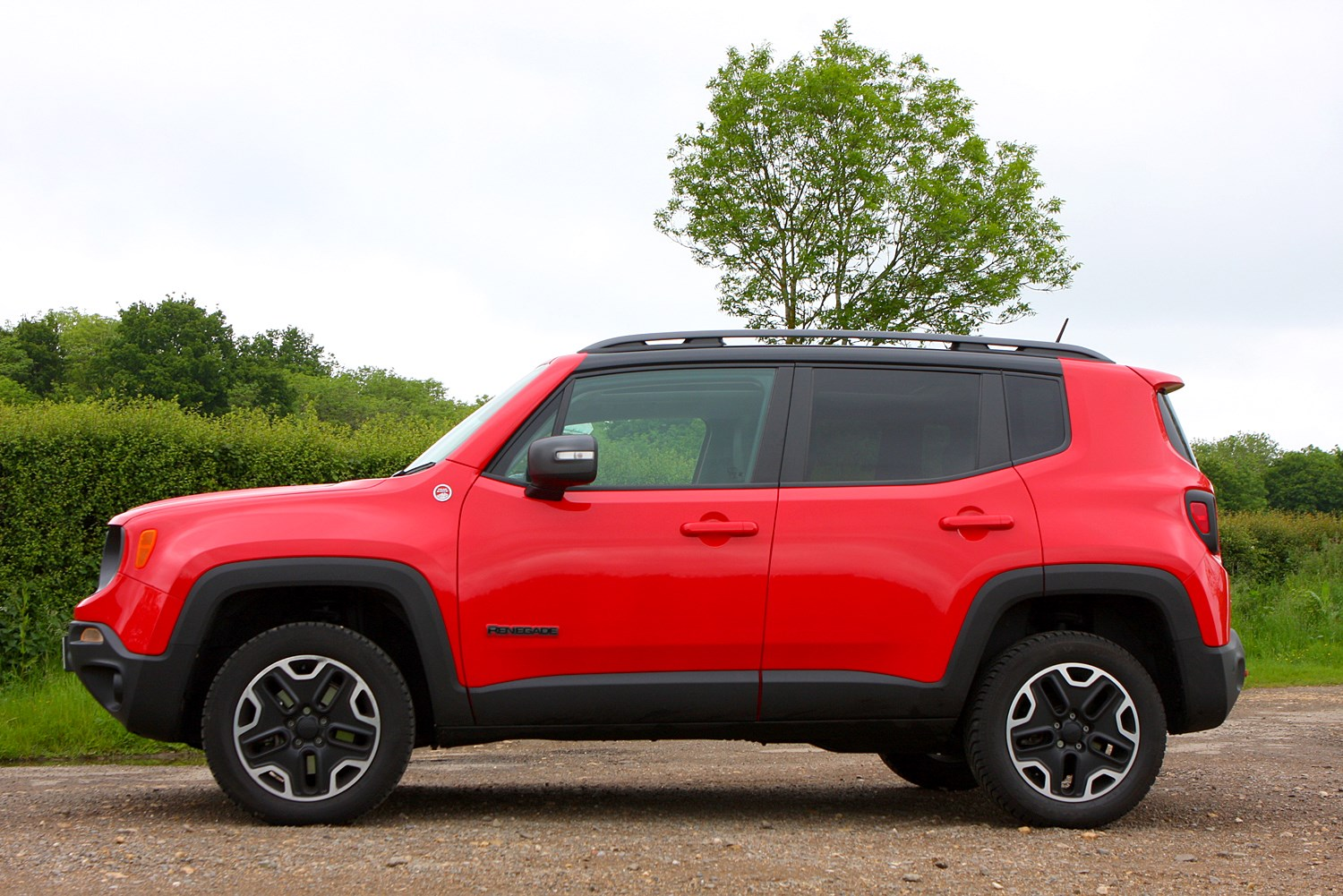 jeep renegade 4x4 review 2015 parkers. Black Bedroom Furniture Sets. Home Design Ideas