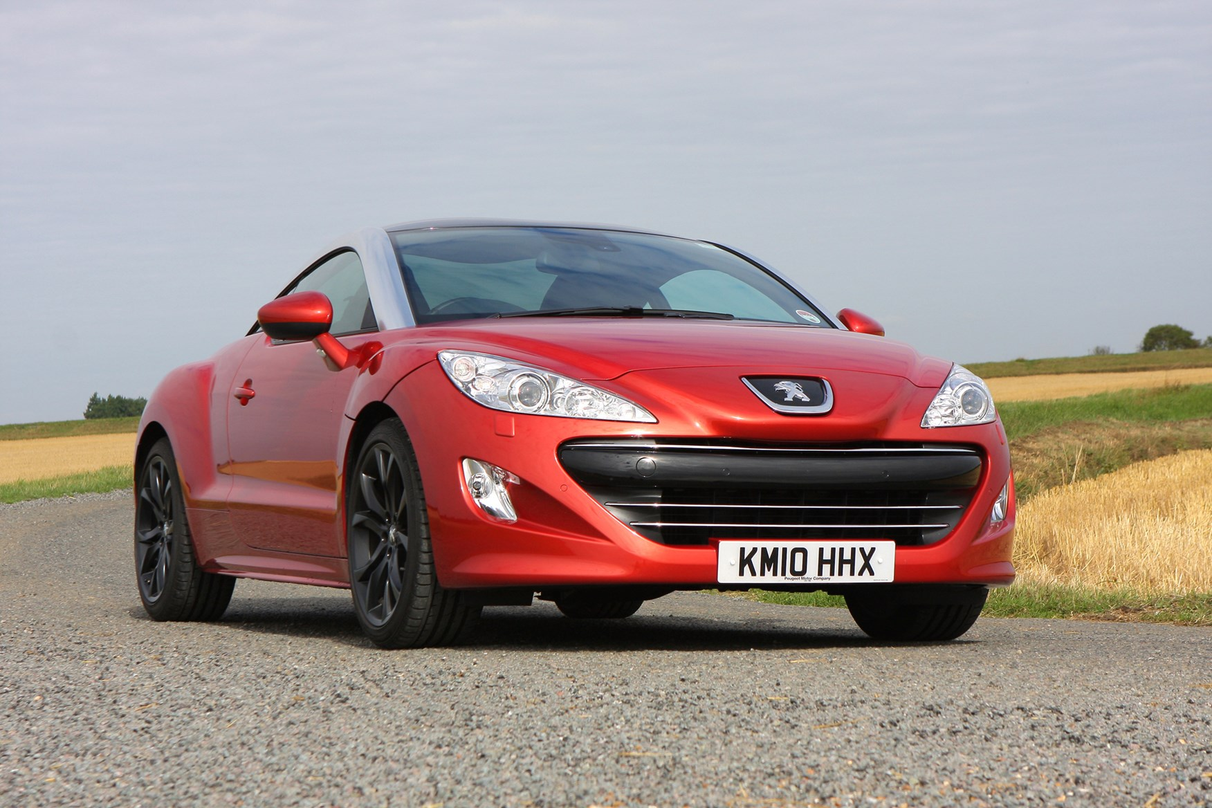 peugeot rcz coupe 2010 2015 features equipment and accessories parkers. Black Bedroom Furniture Sets. Home Design Ideas