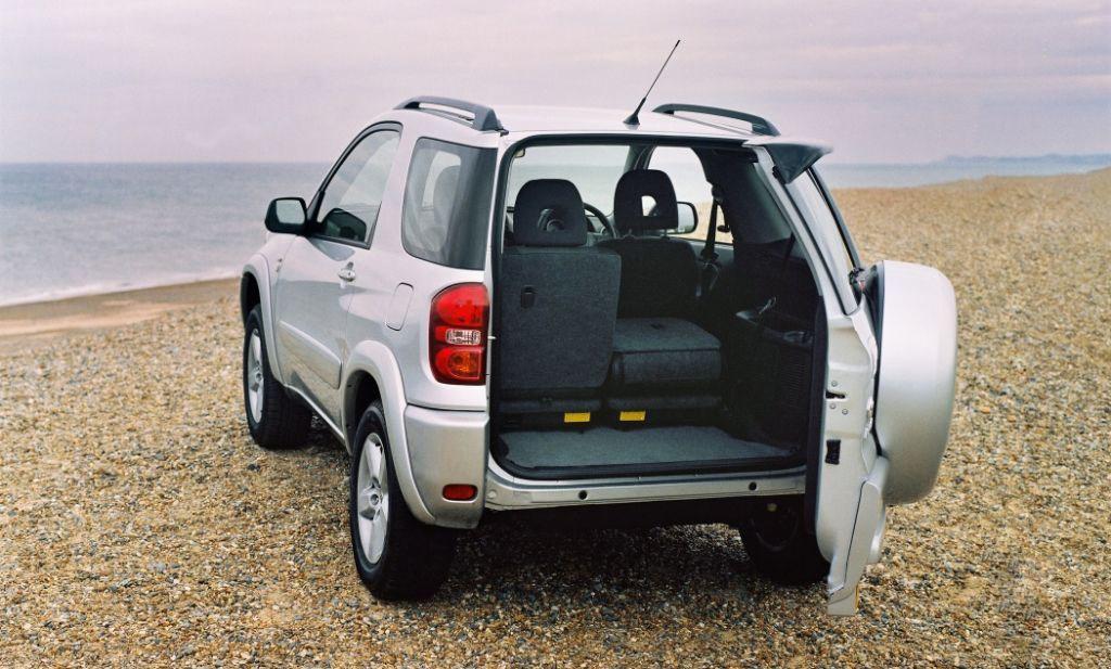 Used Toyota RAV4 Estate (2000 - 2005) MPG | Parkers
