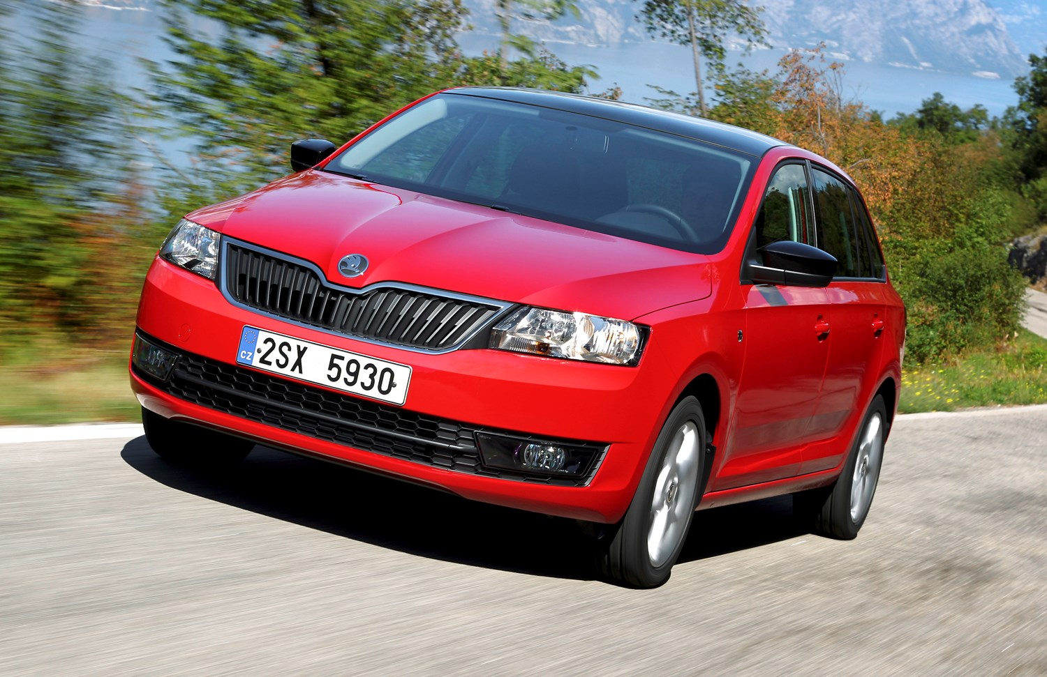 skoda rapid spaceback 2013 features equipment and accessories parkers. Black Bedroom Furniture Sets. Home Design Ideas