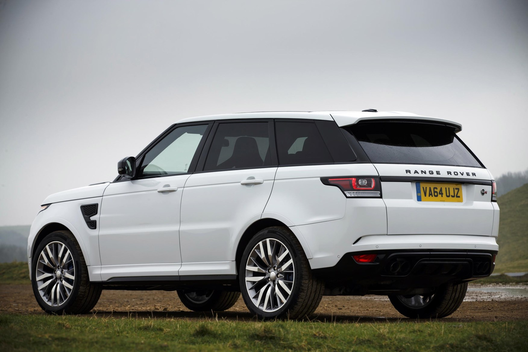 land rover range rover sport svr review 2015 parkers. Black Bedroom Furniture Sets. Home Design Ideas
