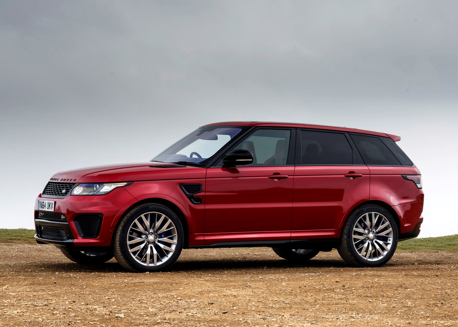 land rover range rover sport svr review 2015 2017. Black Bedroom Furniture Sets. Home Design Ideas