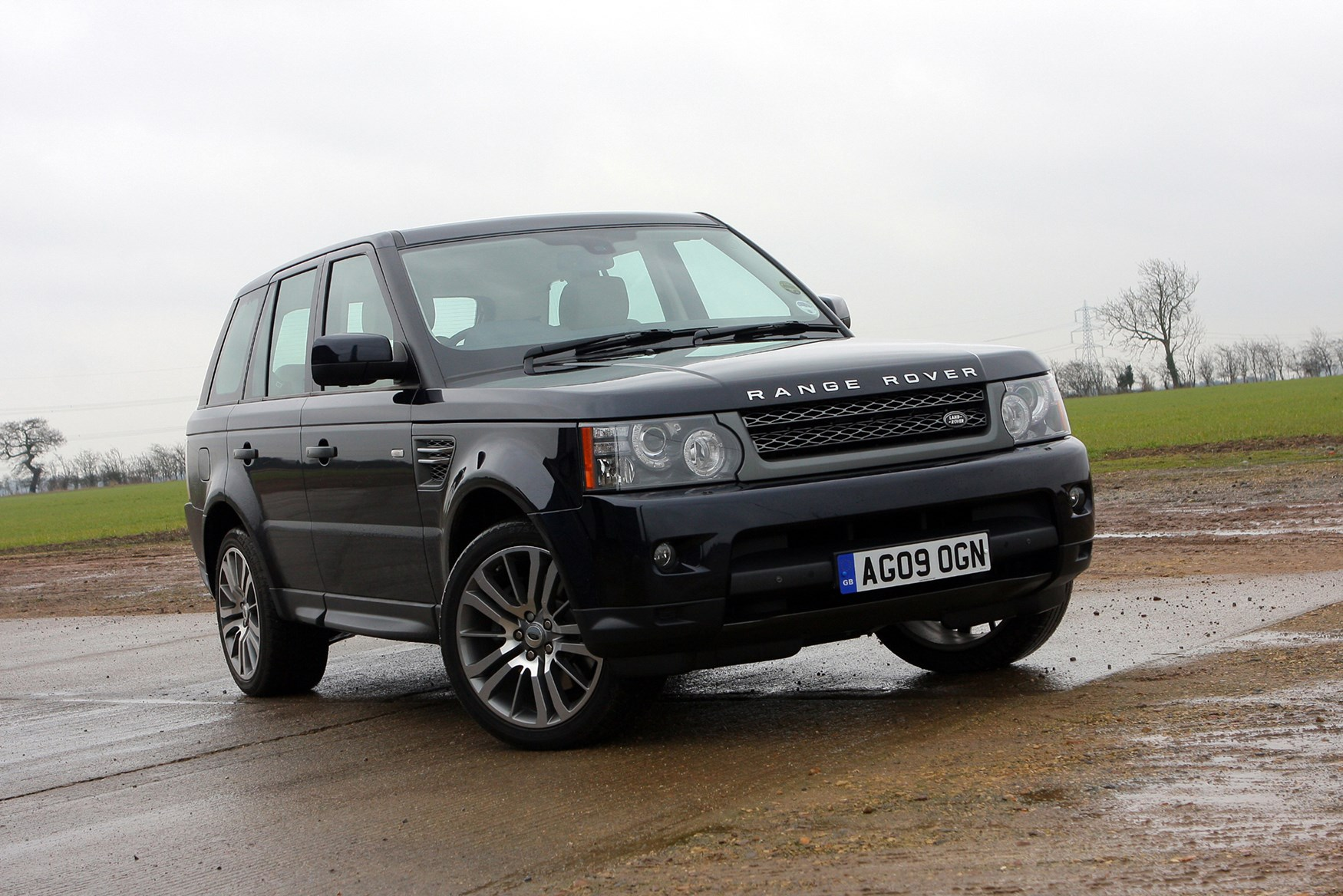 land rover range rover sport estate review 2005 2013. Black Bedroom Furniture Sets. Home Design Ideas