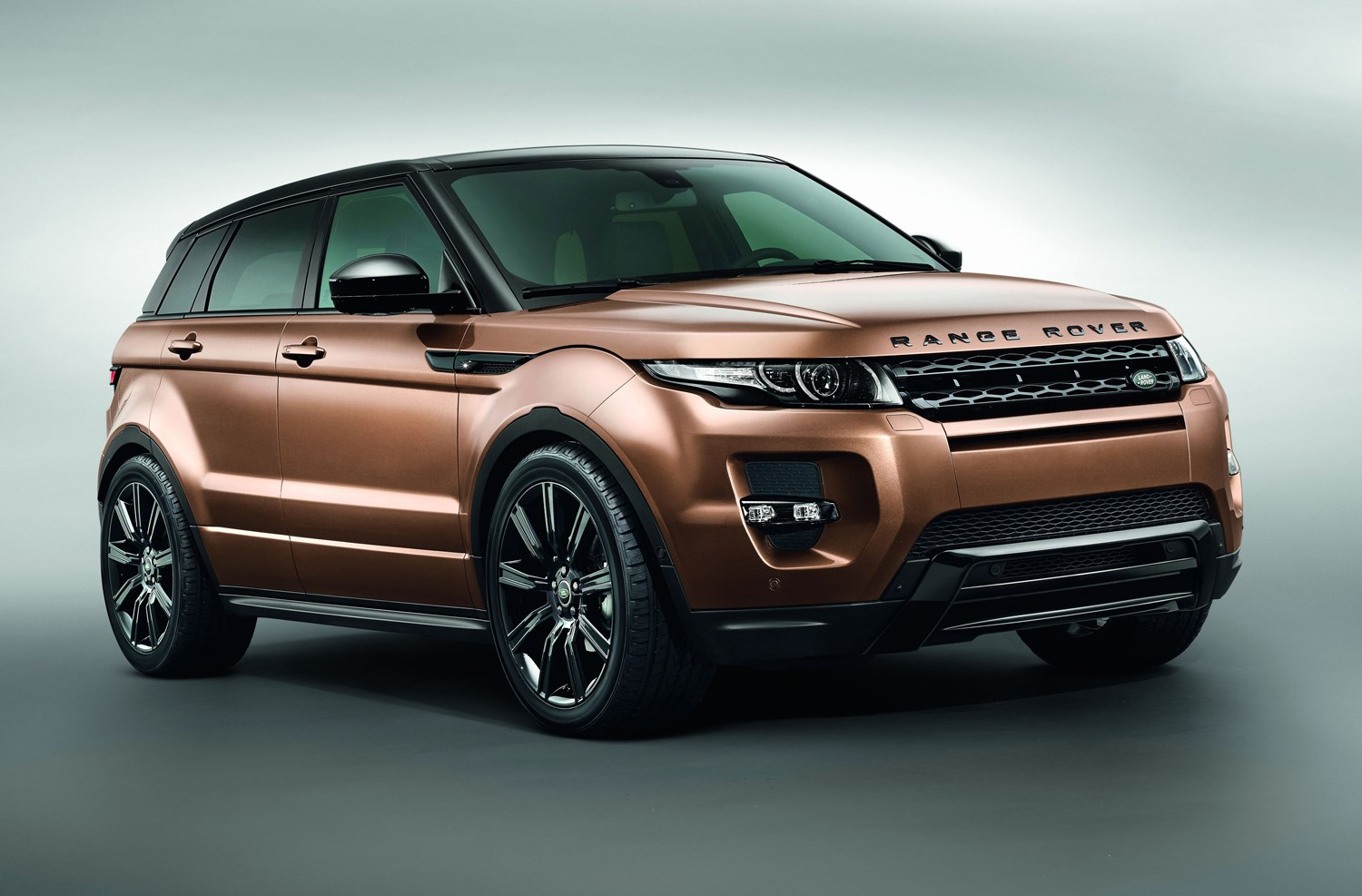 range rover evoque review features safety and. Black Bedroom Furniture Sets. Home Design Ideas