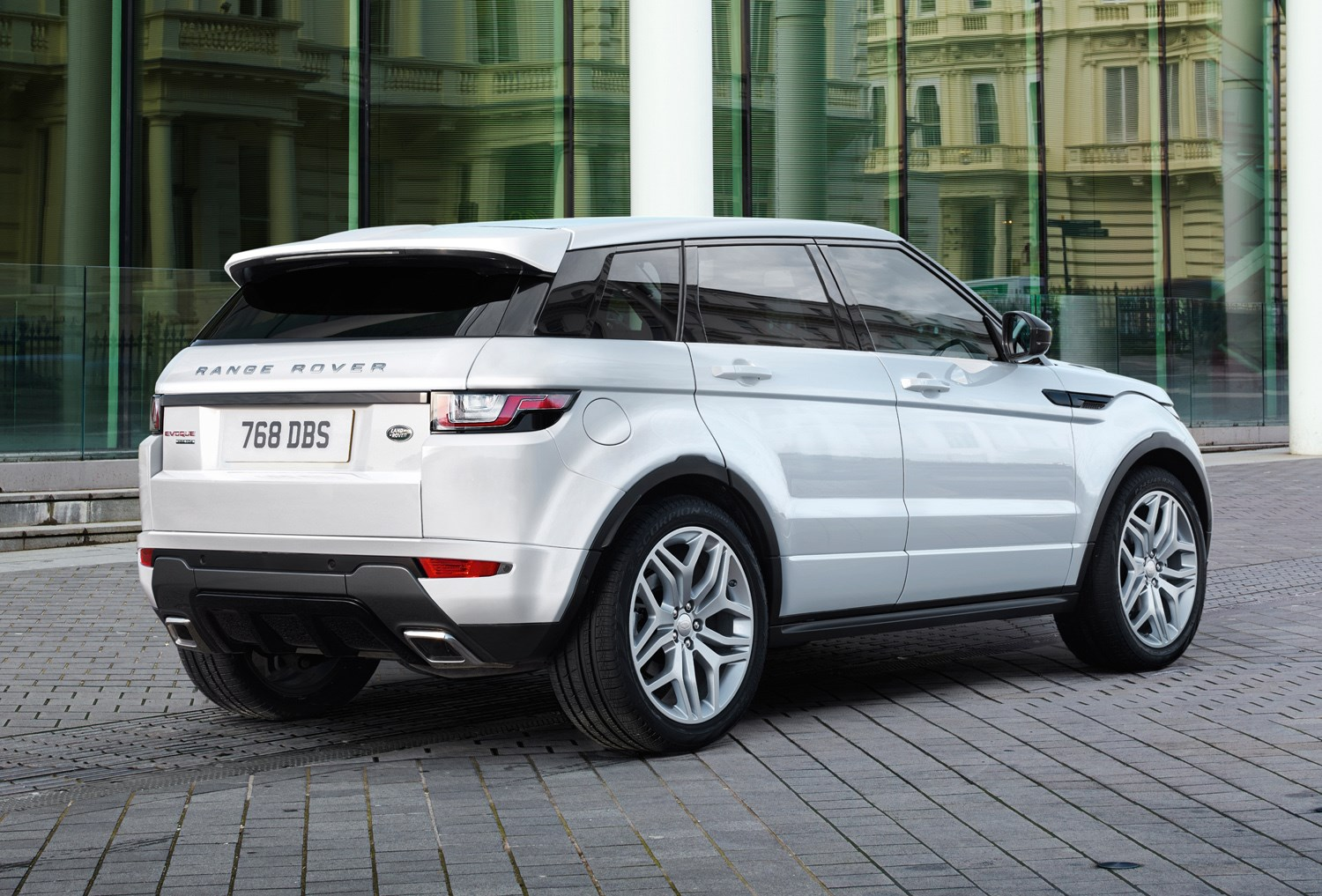 range rover evoque review rivals parkers. Black Bedroom Furniture Sets. Home Design Ideas