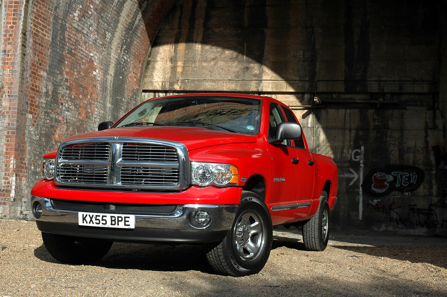 Dodge Ram V8 Laramie 4x4 2005 2007 Features Equipment And Accessories Parkers