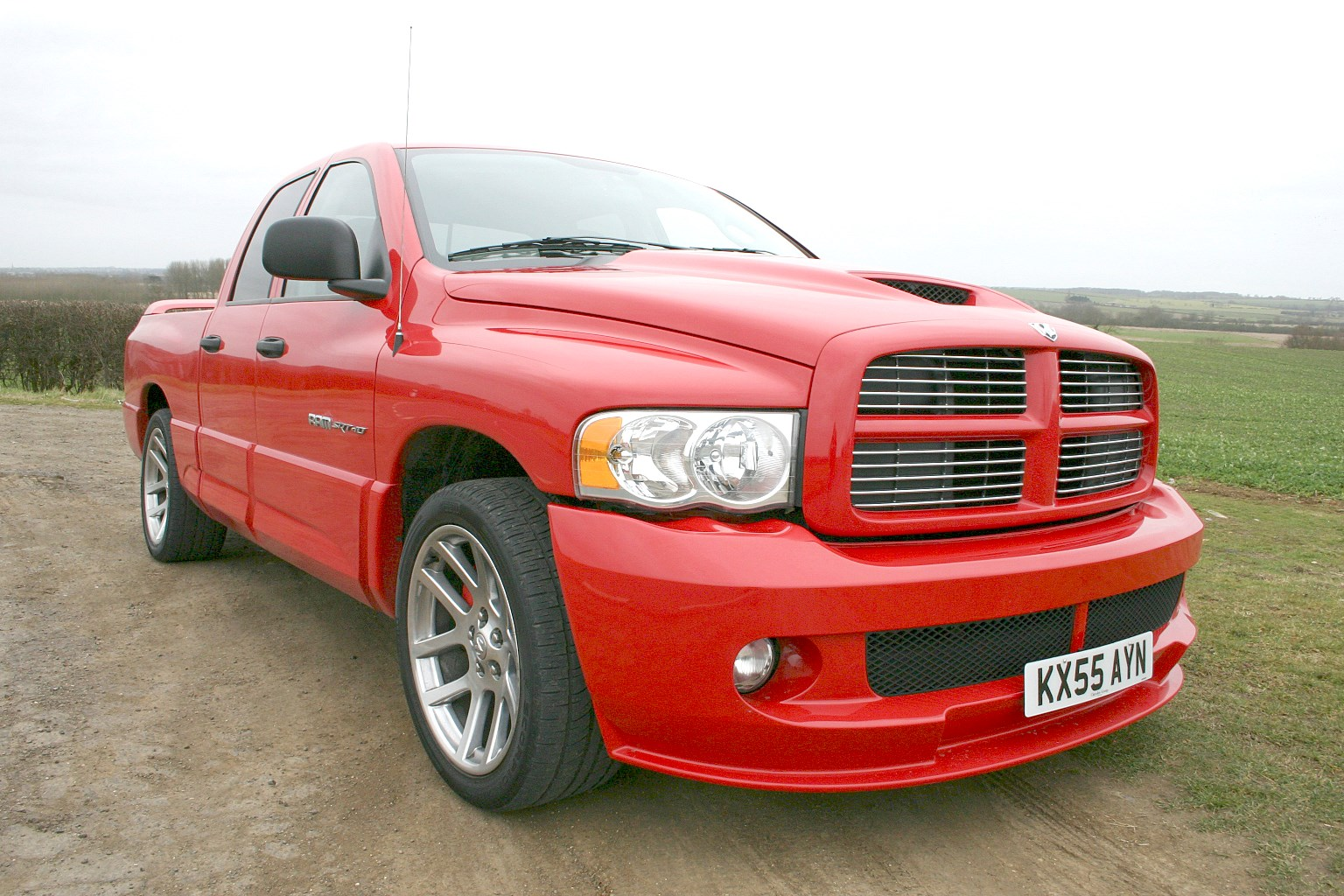 dodge ram srt 10 2005 2006 features equipment and. Black Bedroom Furniture Sets. Home Design Ideas