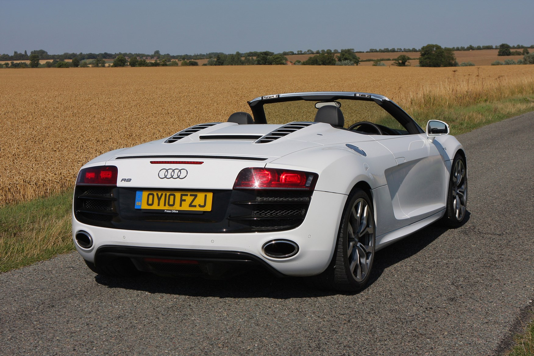 audi r8 spyder review 2010 2014 parkers. Black Bedroom Furniture Sets. Home Design Ideas
