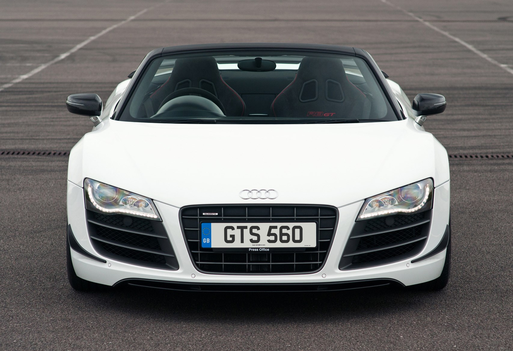 audi r8 gt spyder 2012 2012 driving performance parkers. Black Bedroom Furniture Sets. Home Design Ideas