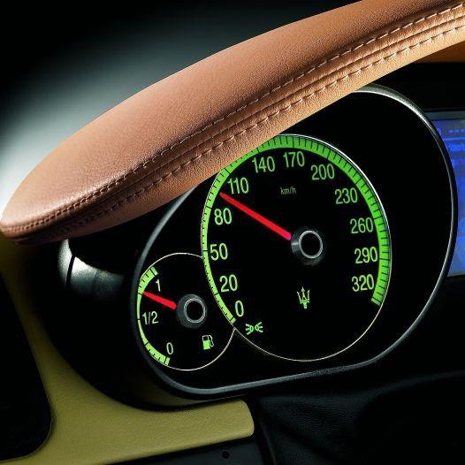 2012 Maserati Quattroporte Interior: Maserati Quattroporte Saloon Review (2004 - 2012)