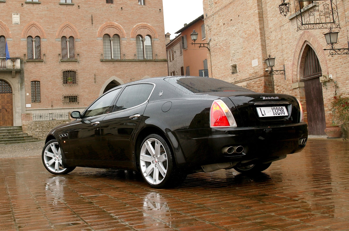 maserati quattroporte saloon 2004 2012 running costs parkers. Black Bedroom Furniture Sets. Home Design Ideas