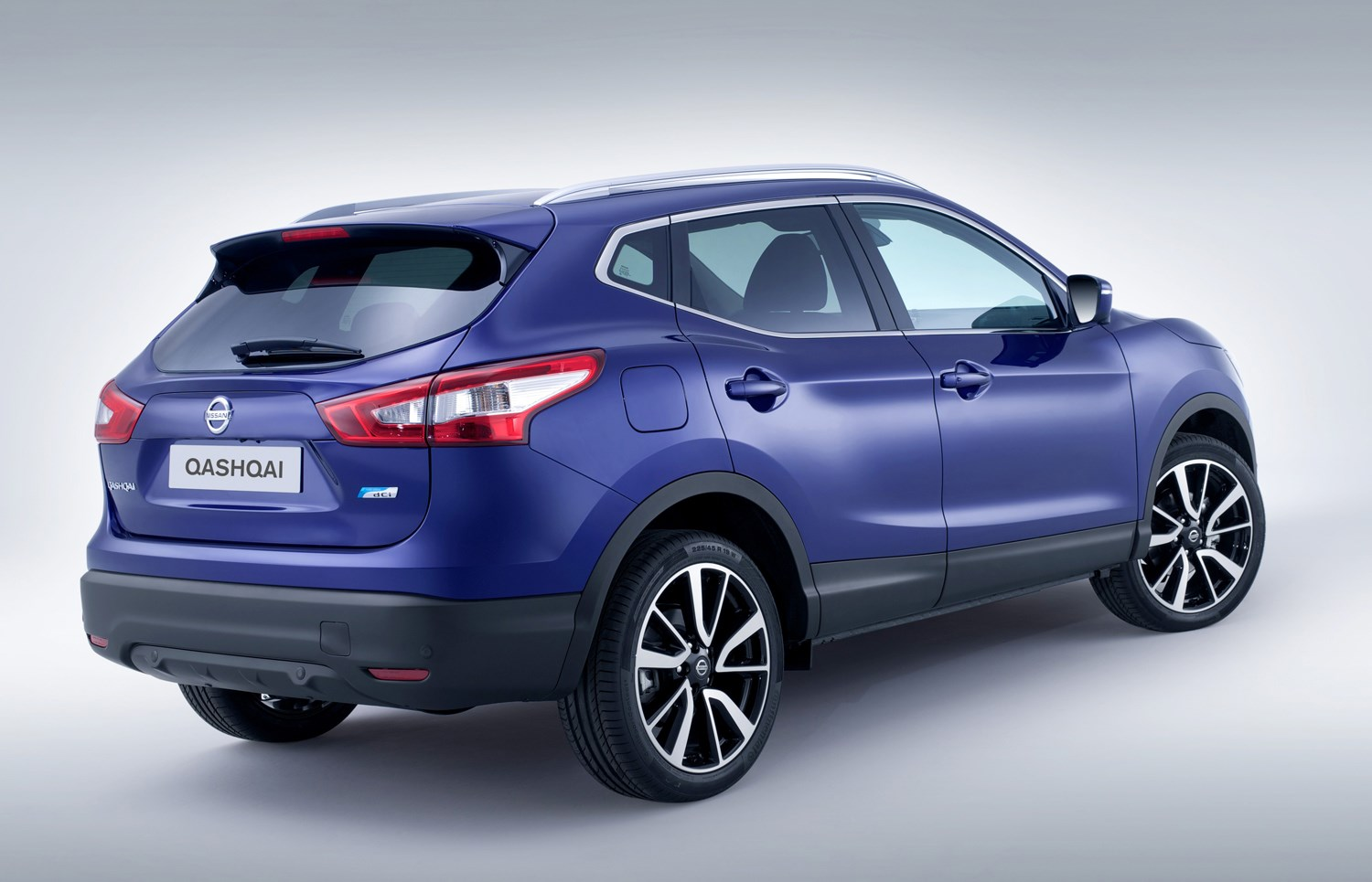 nissan qashqai suv review summary parkers. Black Bedroom Furniture Sets. Home Design Ideas