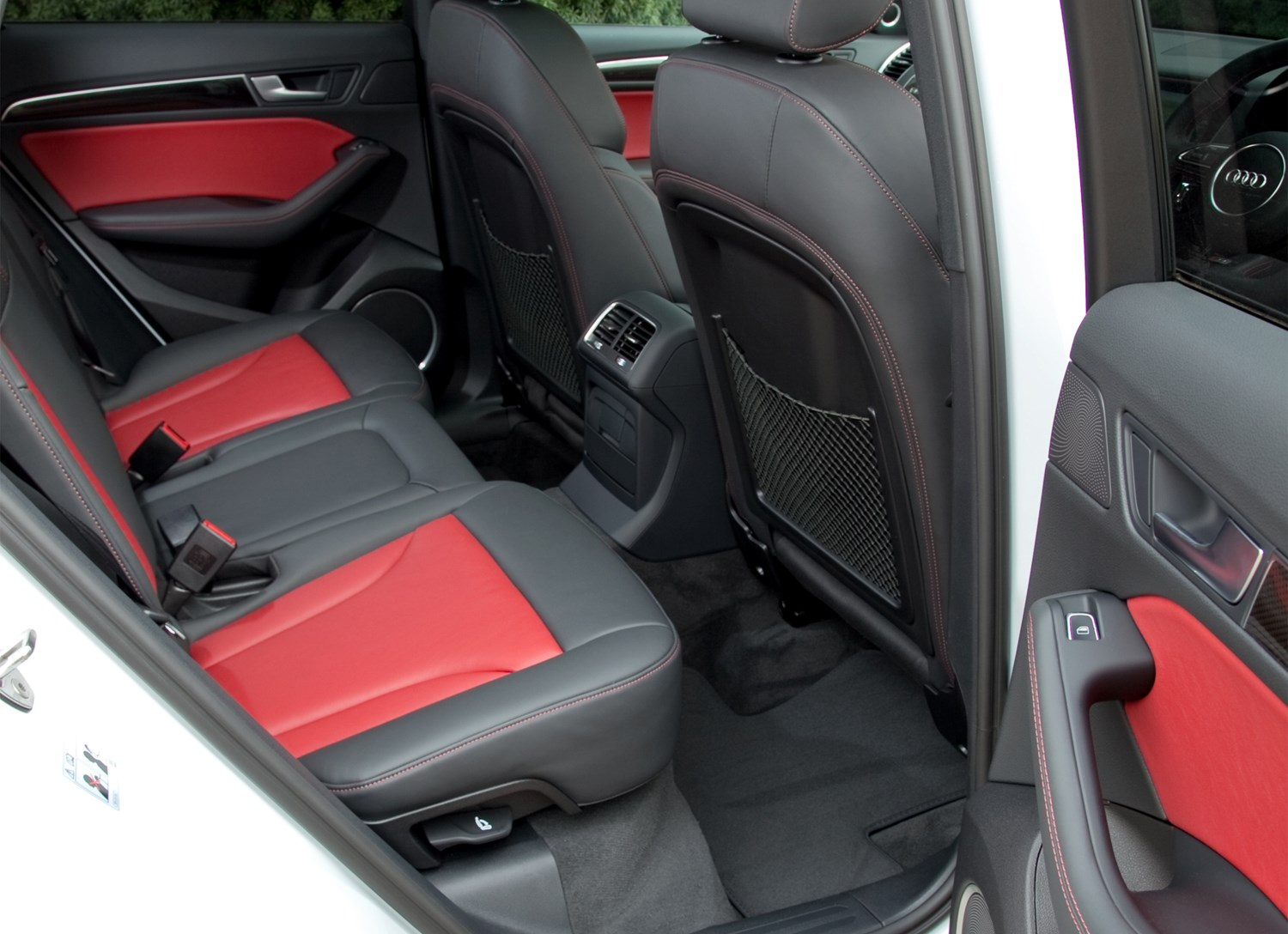 Audi Q5 Sq5 2012 2016 Features Equipment And Accessories Parkers