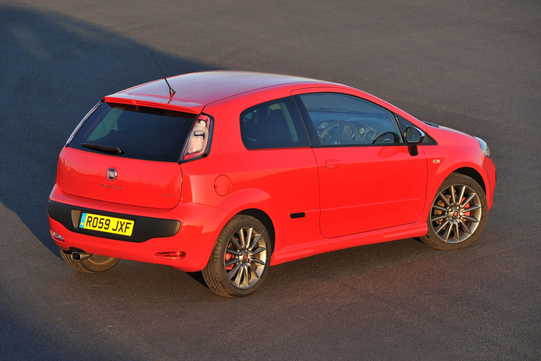 Fiat Punto Evo Hatchback 2010 2012 Features Equipment And Quibo 300 Wiring Diagram Accessories Parkers