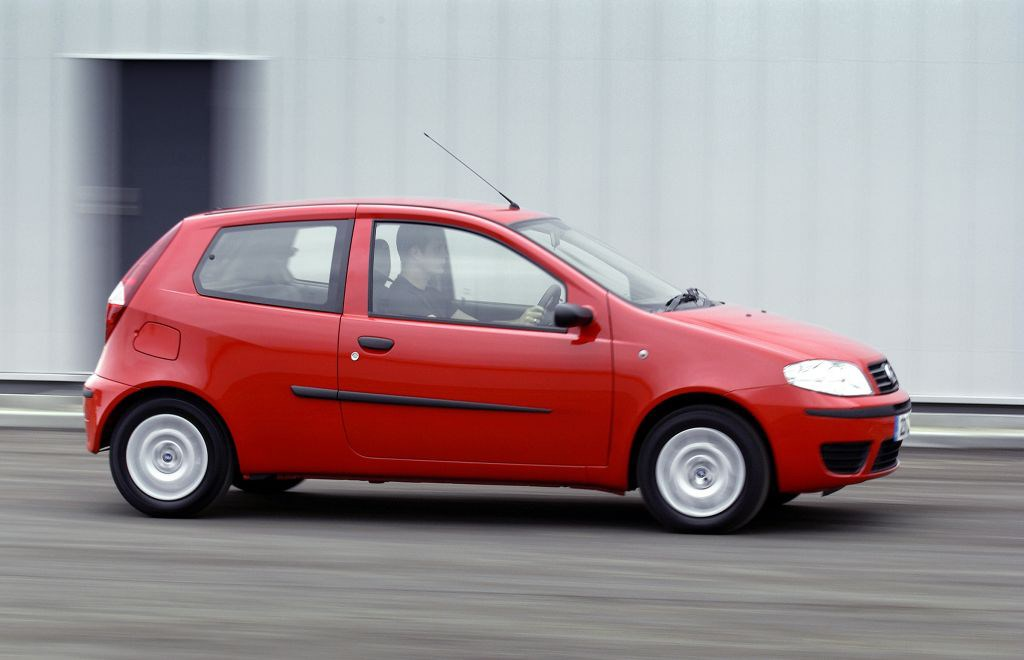 fiat punto hatchback 2003 2006 rivals parkers. Black Bedroom Furniture Sets. Home Design Ideas