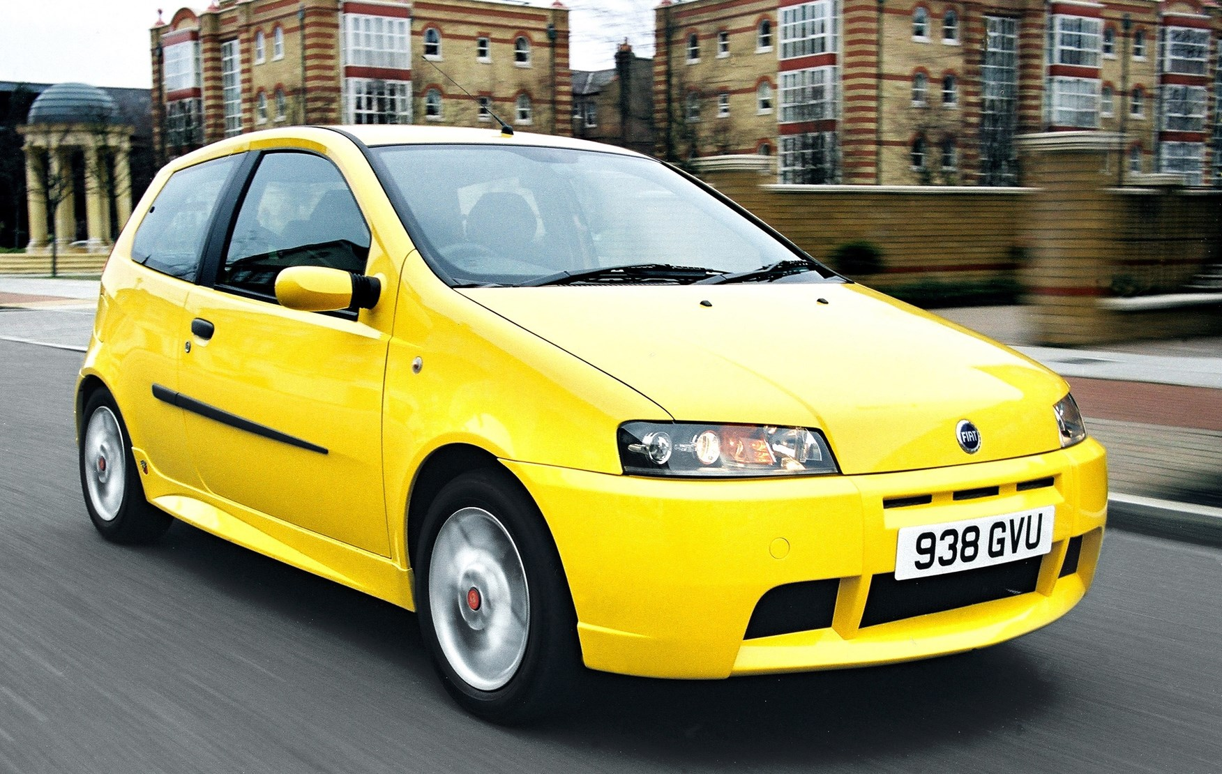fiat punto hatchback review 1999 2003 parkers. Black Bedroom Furniture Sets. Home Design Ideas