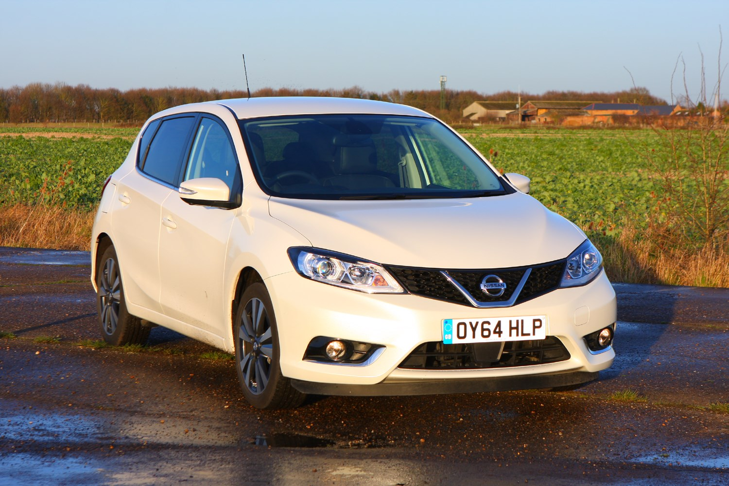 nissan pulsar hatchback review 2014 parkers