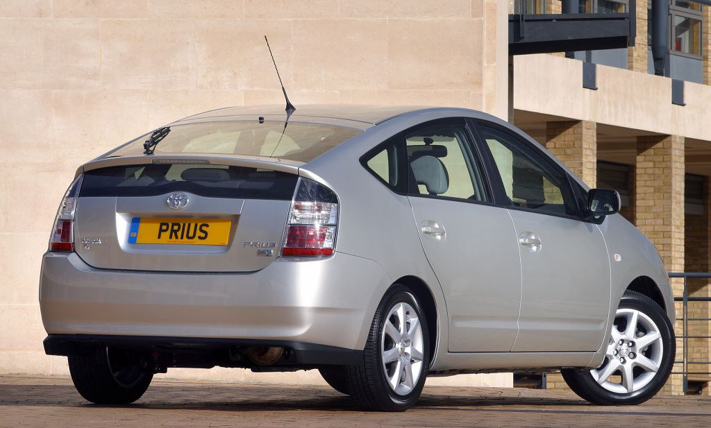 Toyota Prius Hatchback Review (2004   2009) | Parkers
