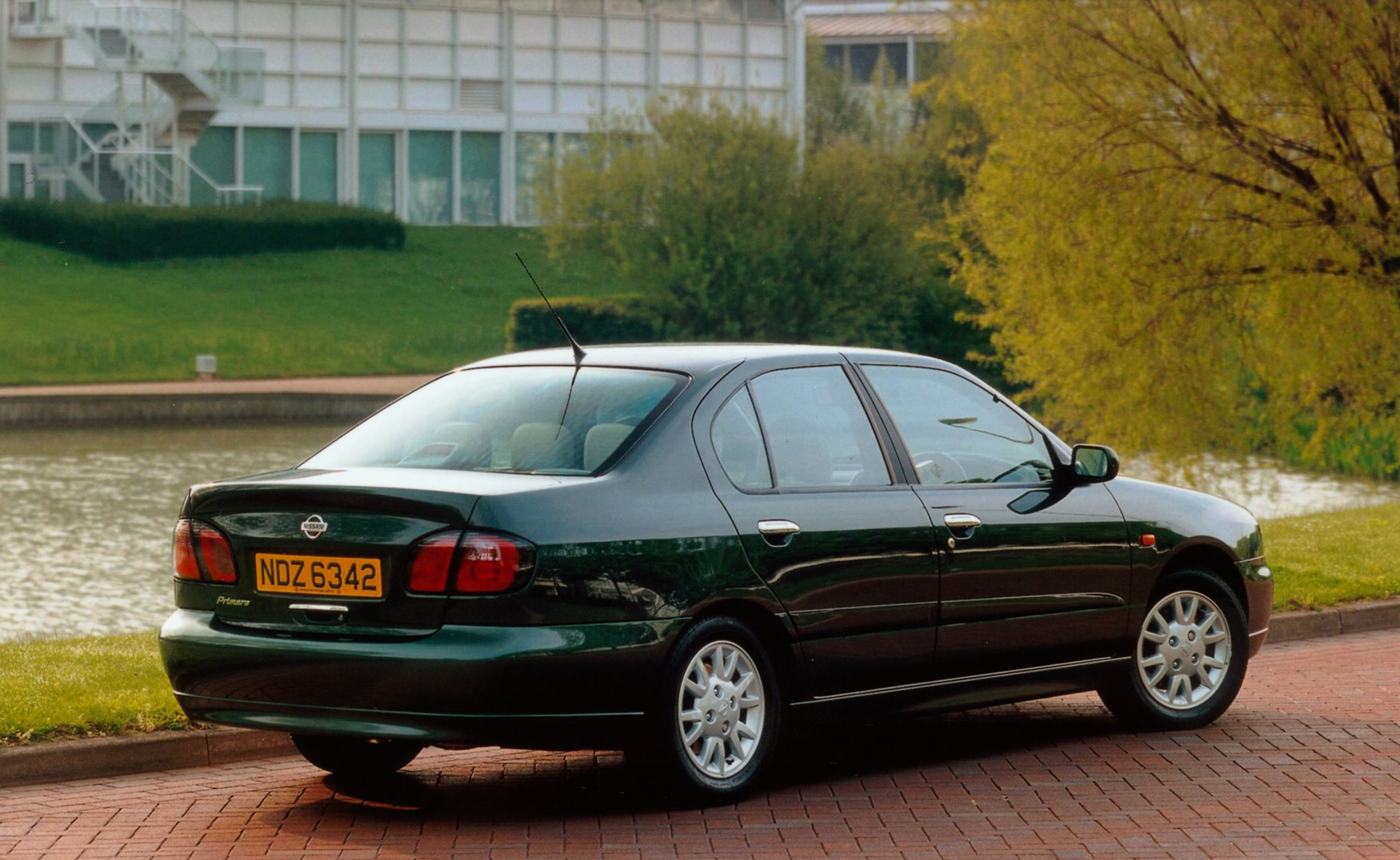 Used Bmw 5 Series For Sale >> Used Nissan Primera Saloon (1999 - 2002) Review | Parkers