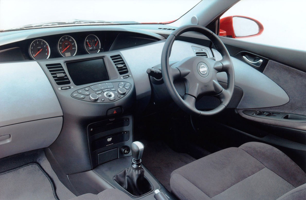 Nissan Primera Hatchback 2002 2006 Features Equipment And Central Locking Wiring Diagram Accessories Parkers