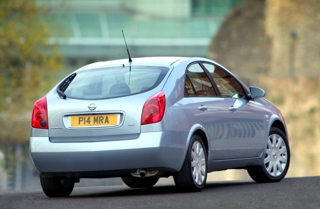 Nissan Primera Hatchback Review (2002 - 2006) | Parkers