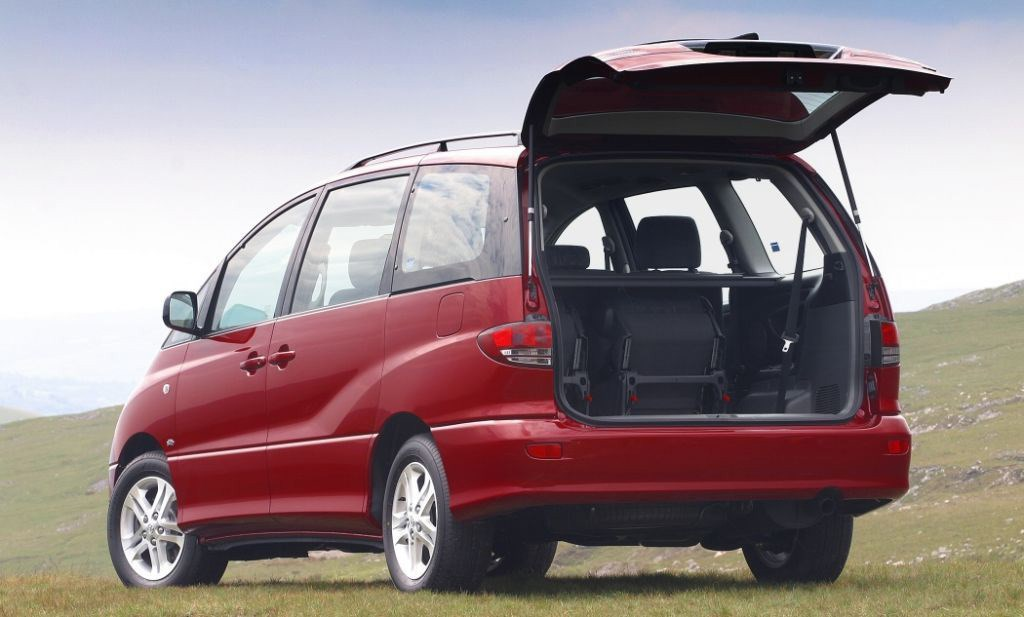 Rav4 Boot Space >> Toyota Previa Estate Review (2000 - 2005) | Parkers