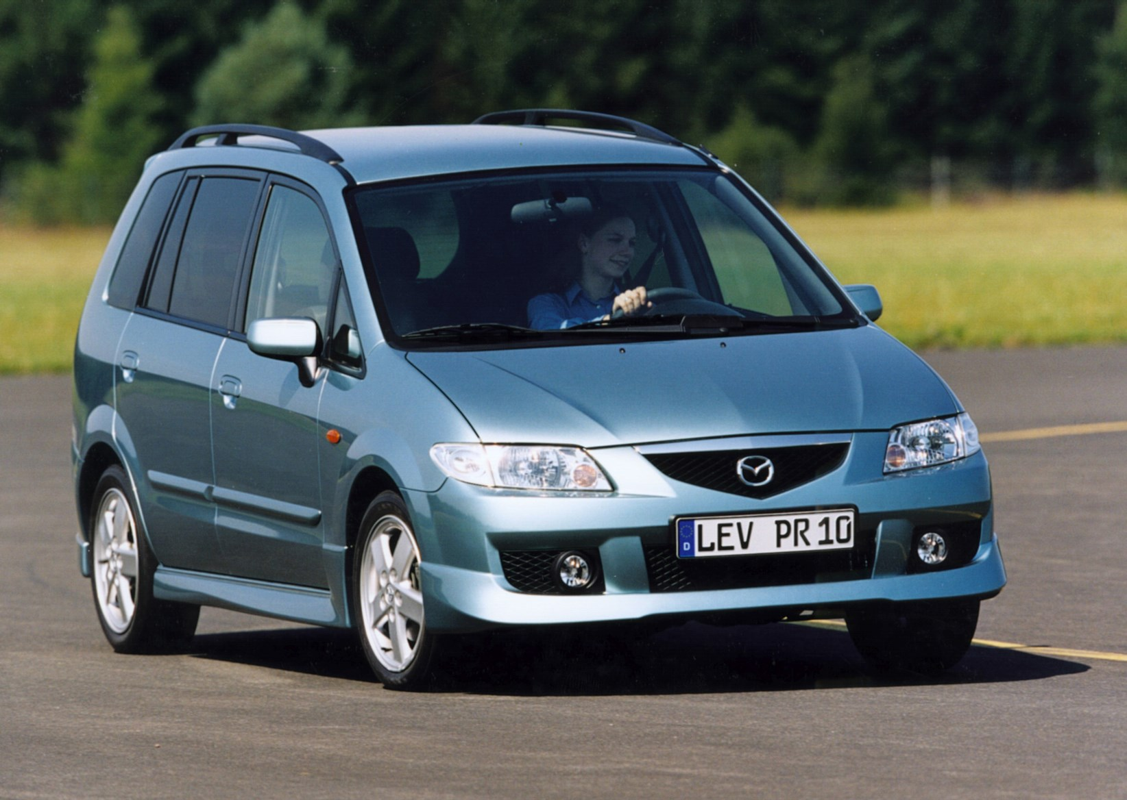 mazda premacy estate review 1999 2004 parkers. Black Bedroom Furniture Sets. Home Design Ideas