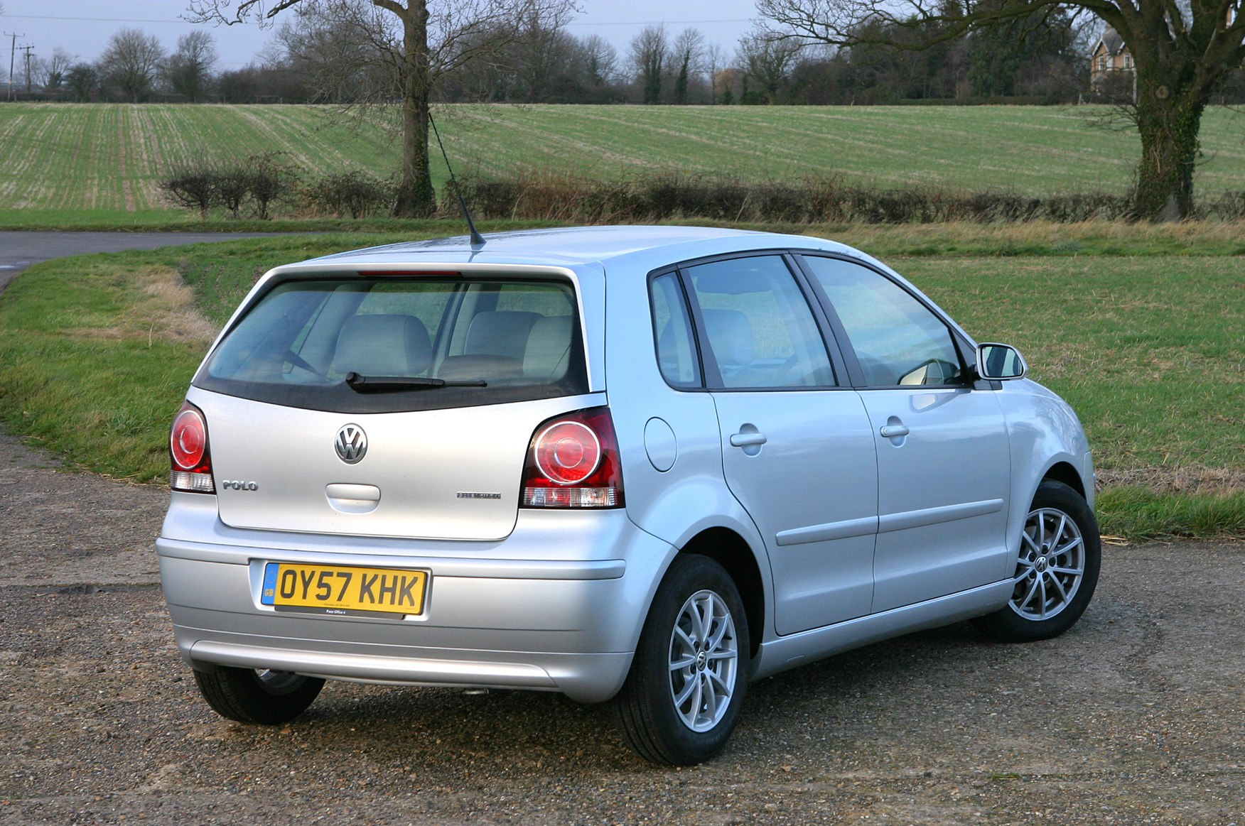 Volkswagen polo hatchback 2002 2009 features equipment and volkswagen polo hatchback 2002 2009 features equipment and accessories parkers publicscrutiny Choice Image