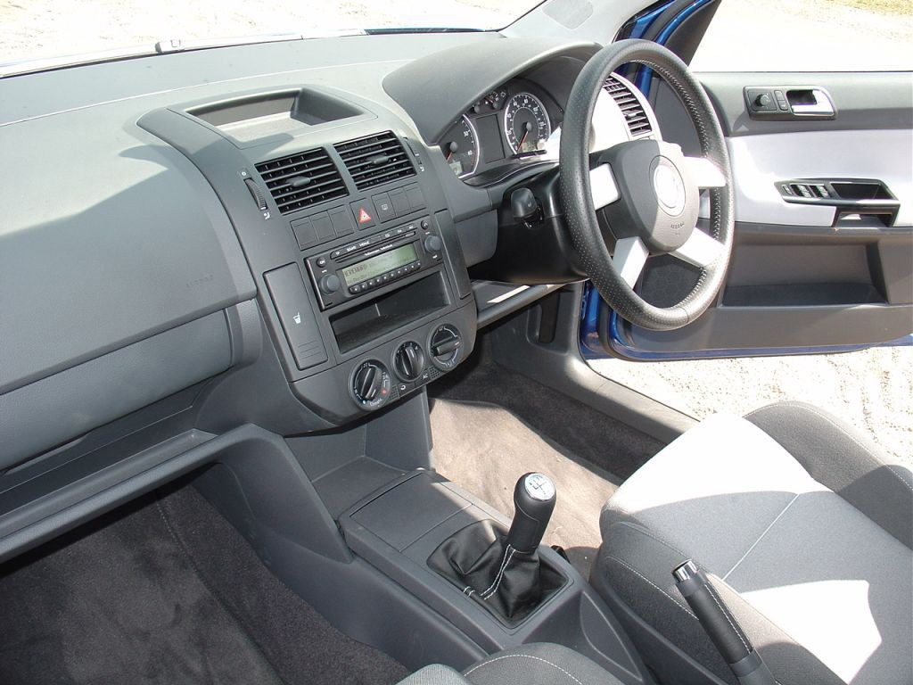 Quality Used Cars >> Used Volkswagen Polo Dune (2004 - 2008) Interior | Parkers