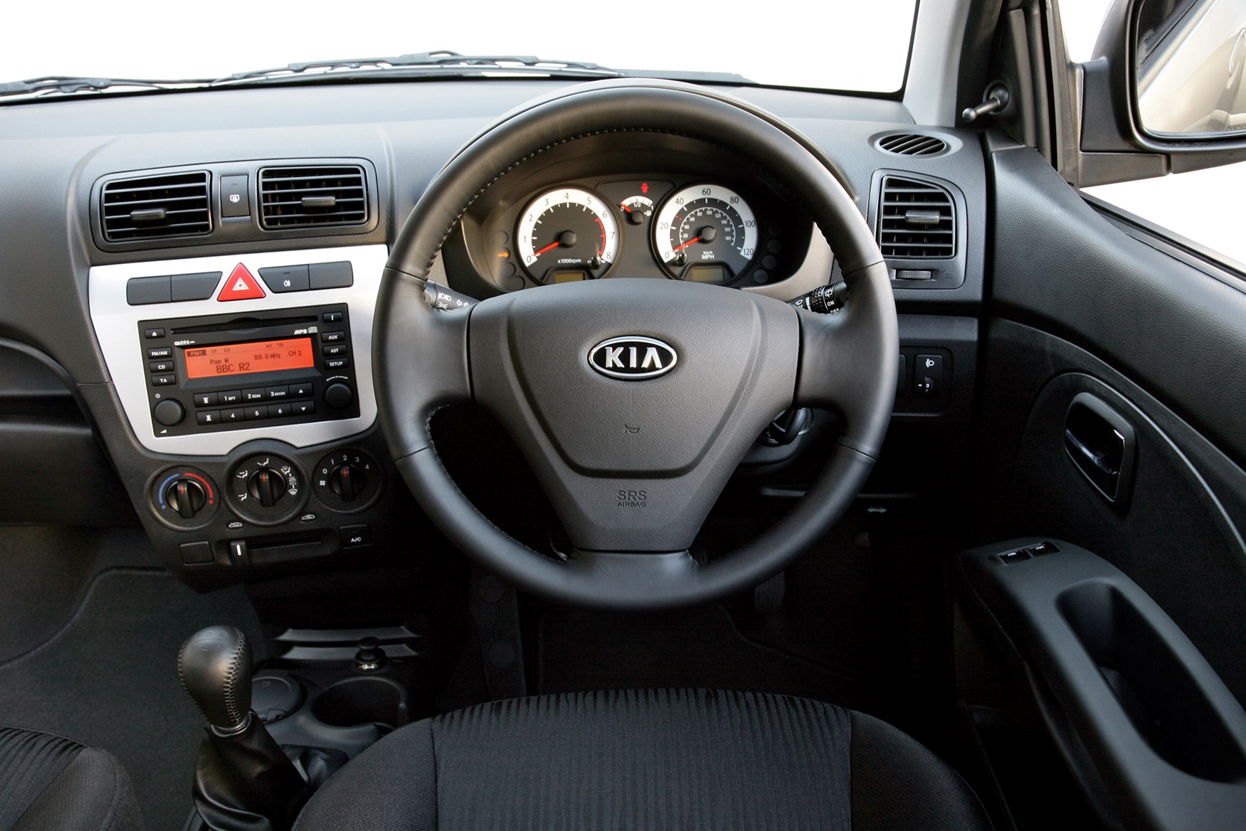 Kia Picanto Hatchback (2004 - 2011) Features, Equipment and ...