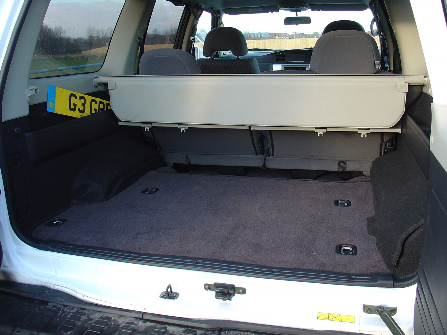 Used Nissan Patrol Station Wagon (1998 - 2009) Practicality | Parkers