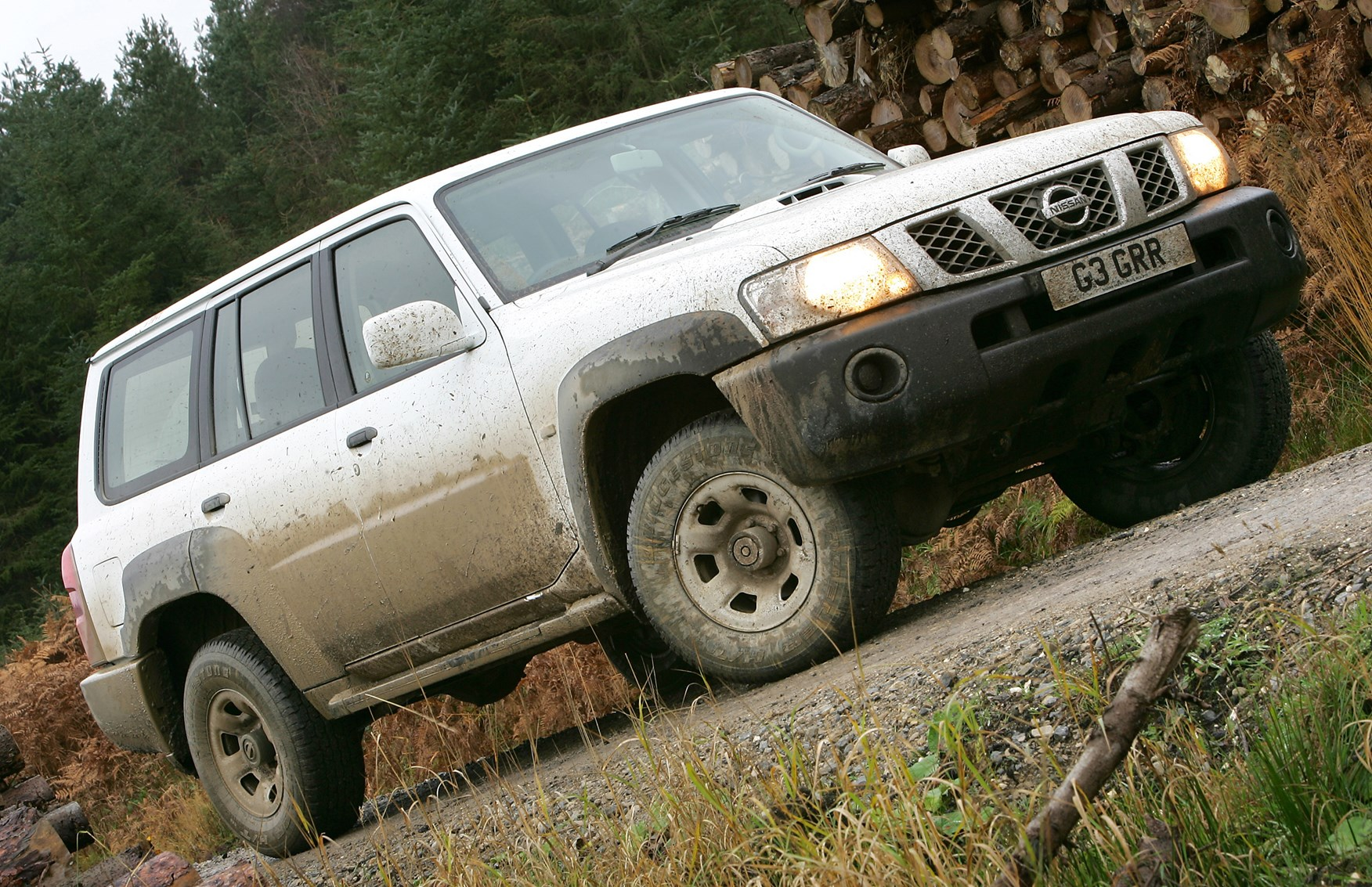 nissan patrol station wagon   rivals parkers