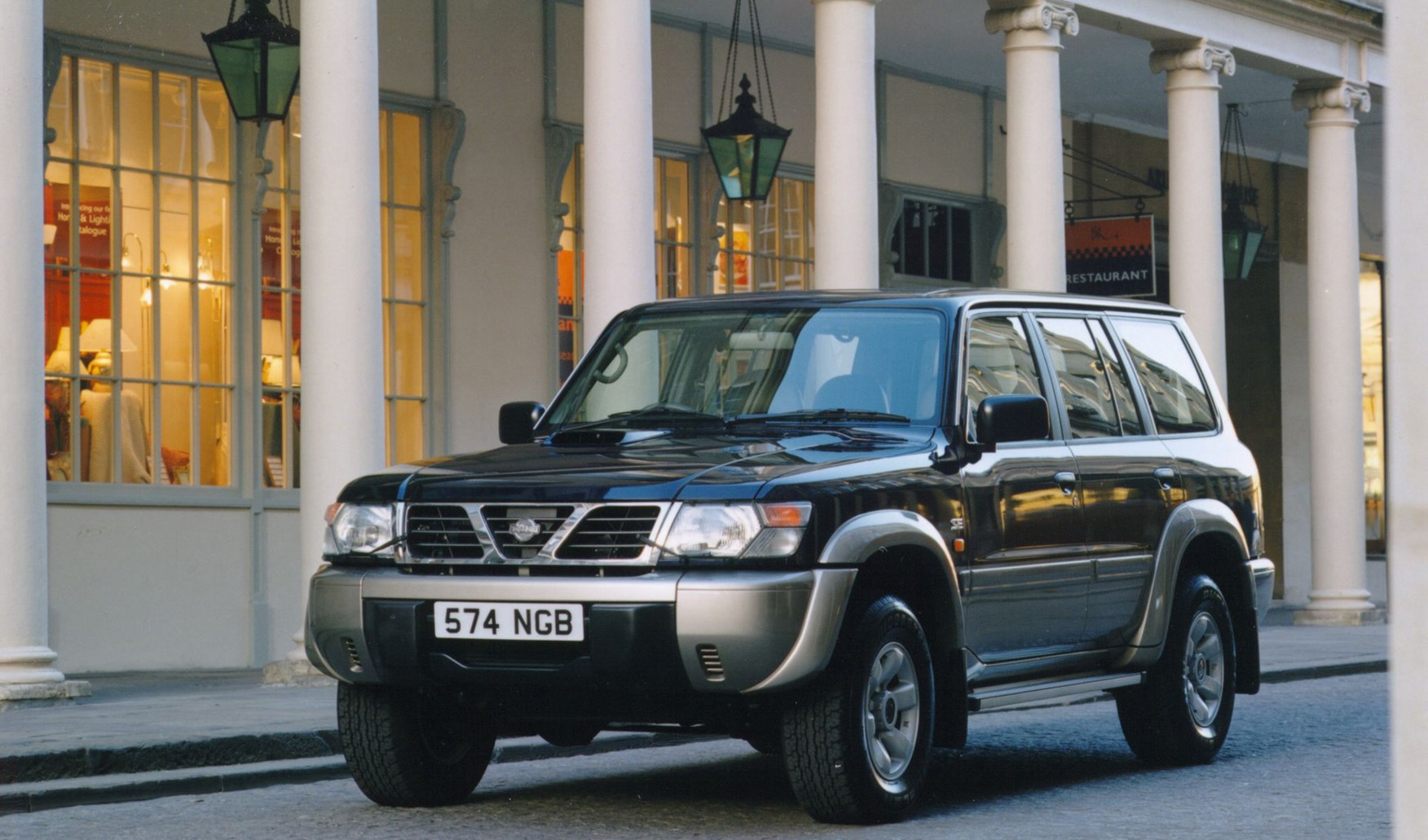 Nissan Patrol Station Wagon Review (1998 - 2009) | Parkers