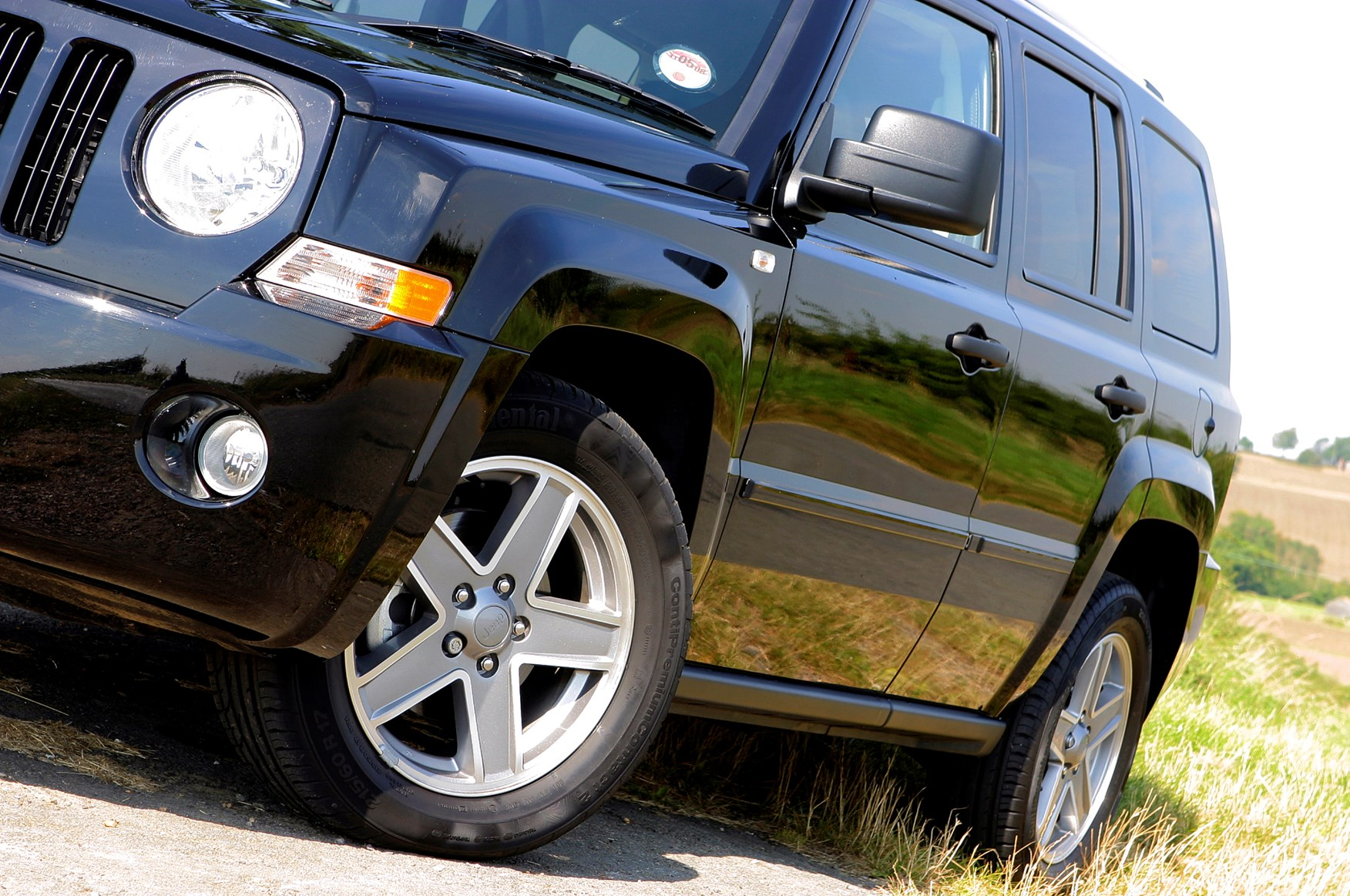 Jeep Patriot Station Wagon 2007 2011 Features